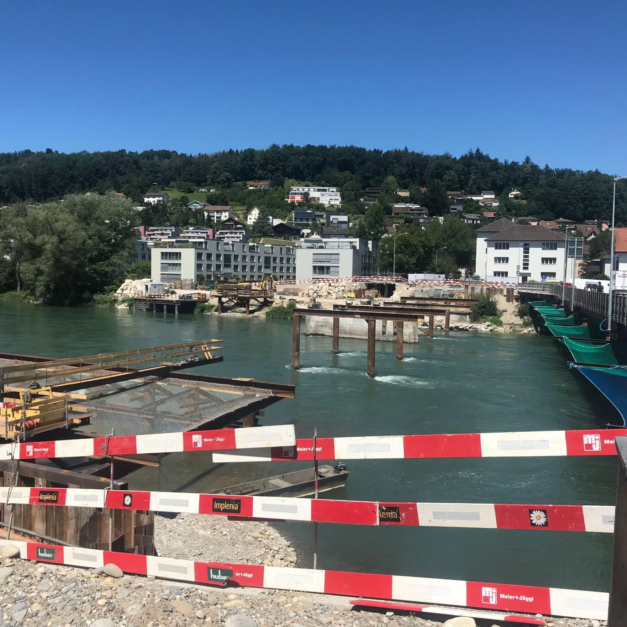 An dieser Stellle wurde Anfang des Jahres die alte Kettenbrücke abgebrochen.