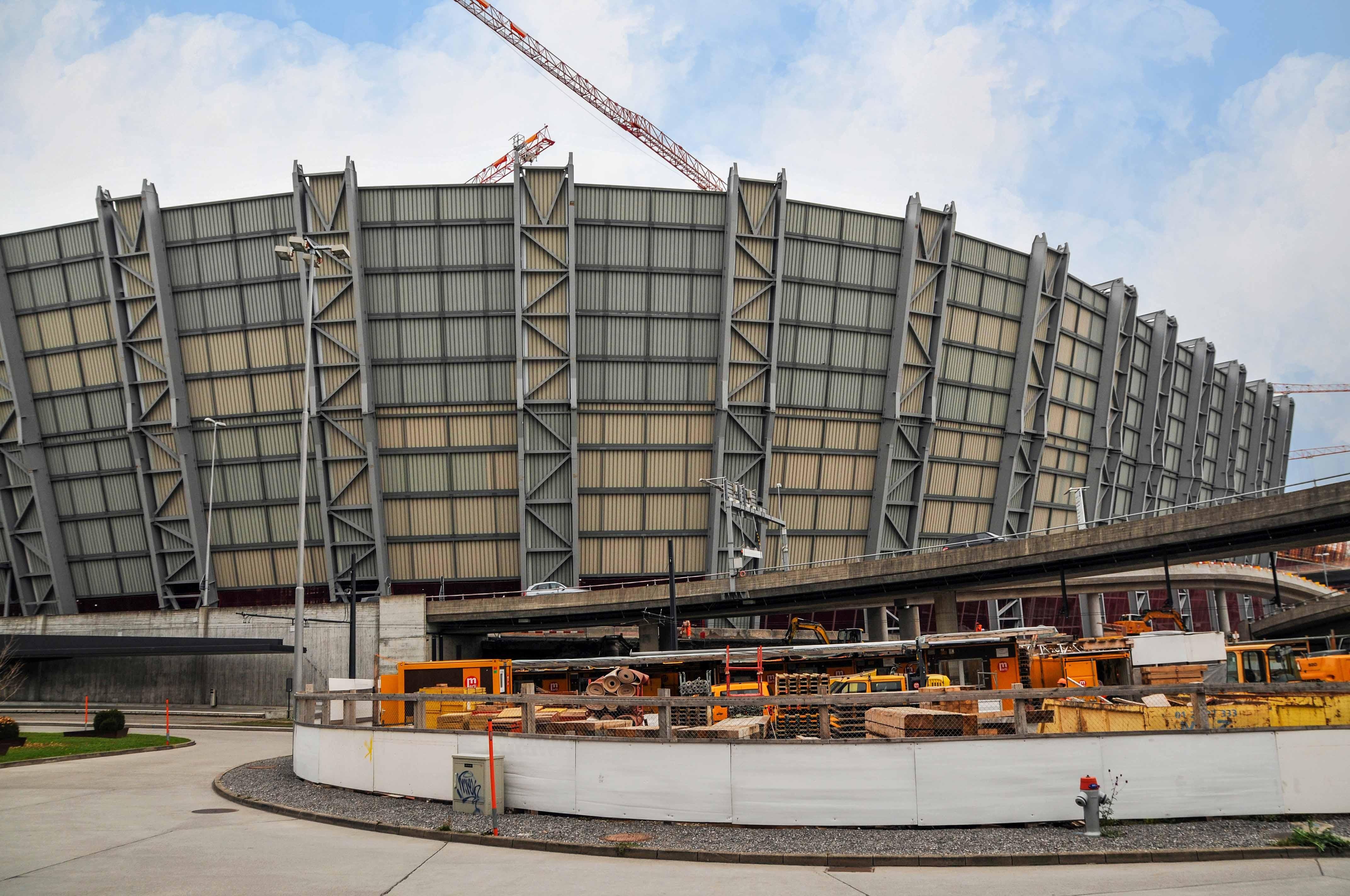 Das Vorher-Nachher zum grossen Bild: Die Bauarbeiten spielten sich im Verborgenen ab.