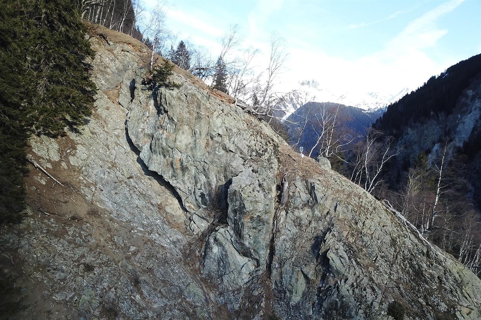 Felsblöcke bei Brücke Val da Rein