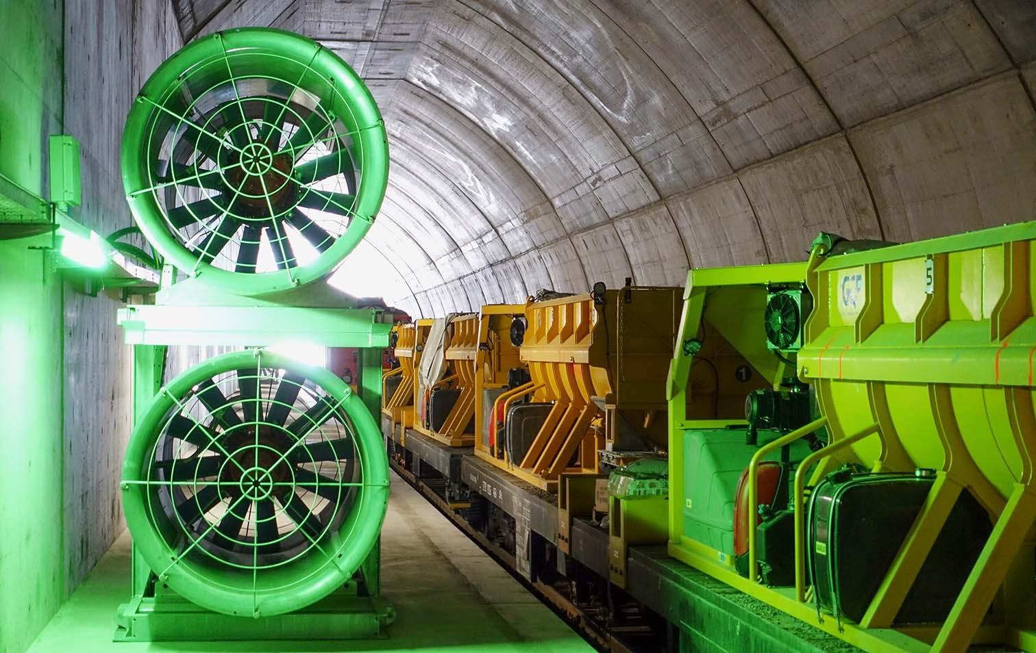 Betonzug im Ceneri-Basistunnel