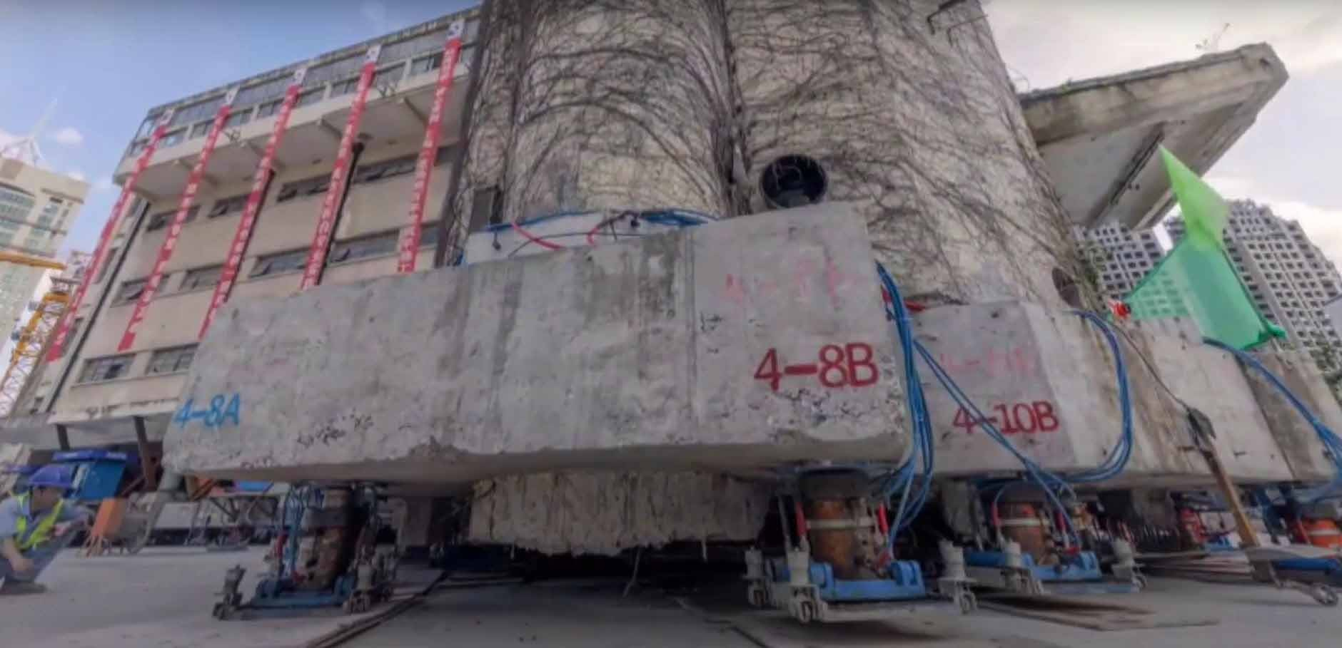 Mobile Stützen unter Gebäude