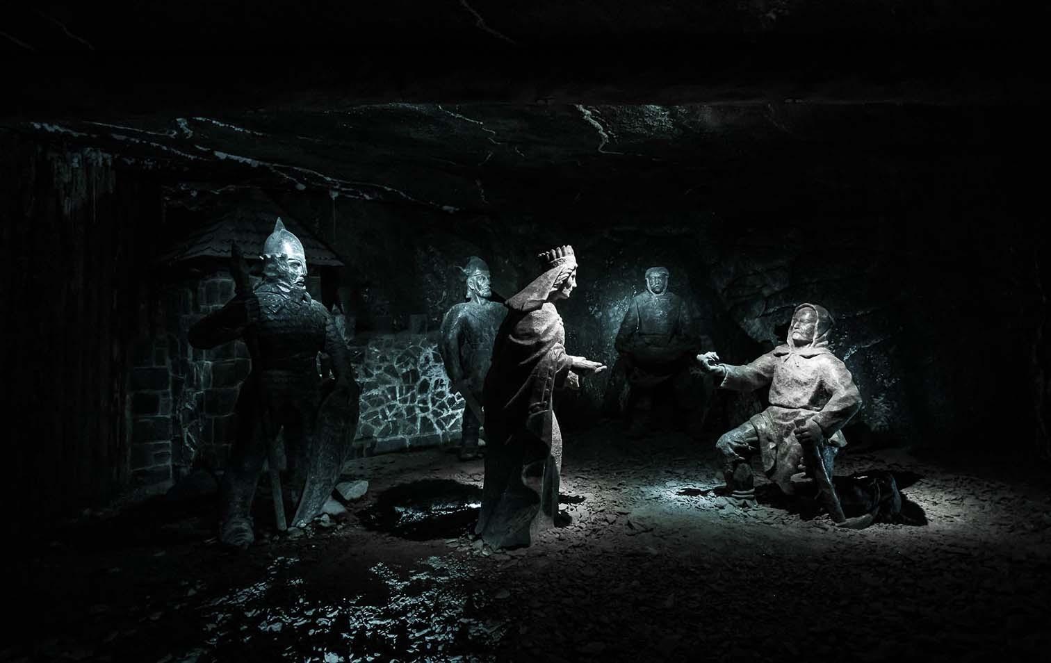 Skulpturen in der Salzmine Wieliczka