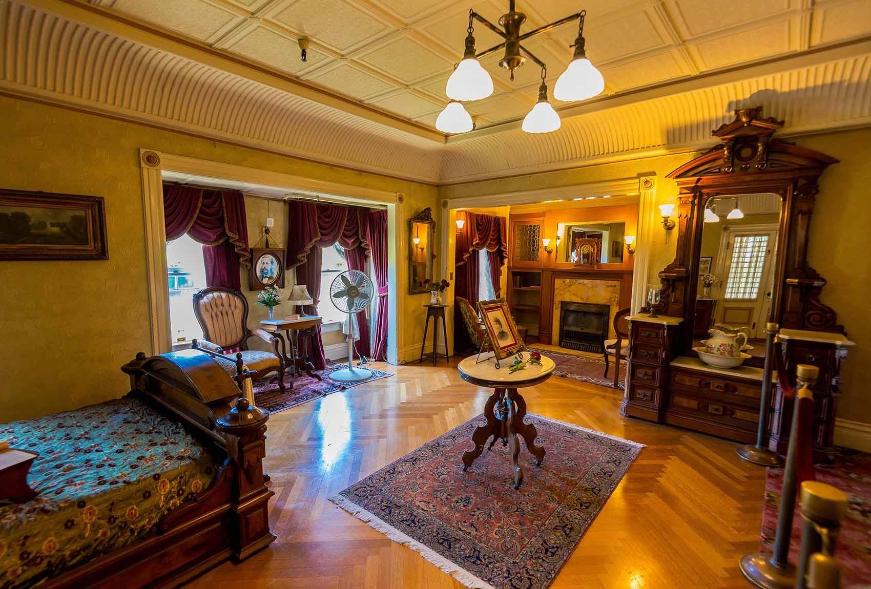 Schlafzimmer im Winchester Mystery Haus in San José