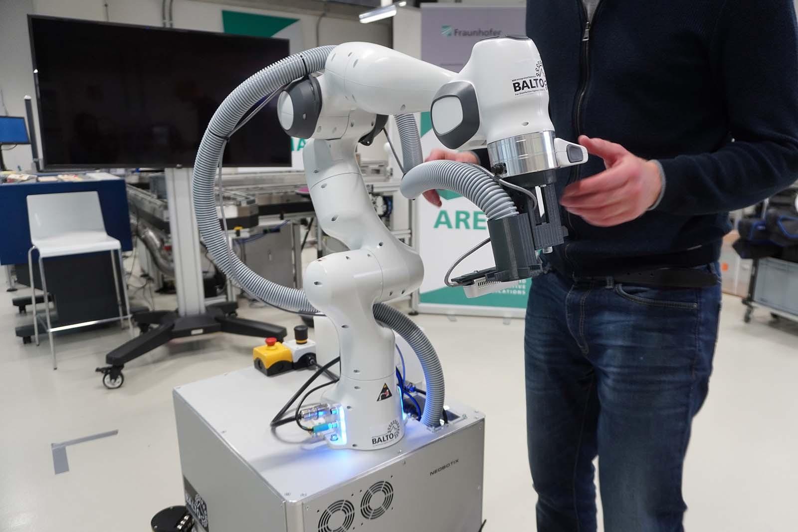 Desinfektionsroboter im Technologiepark NOI in Bozen