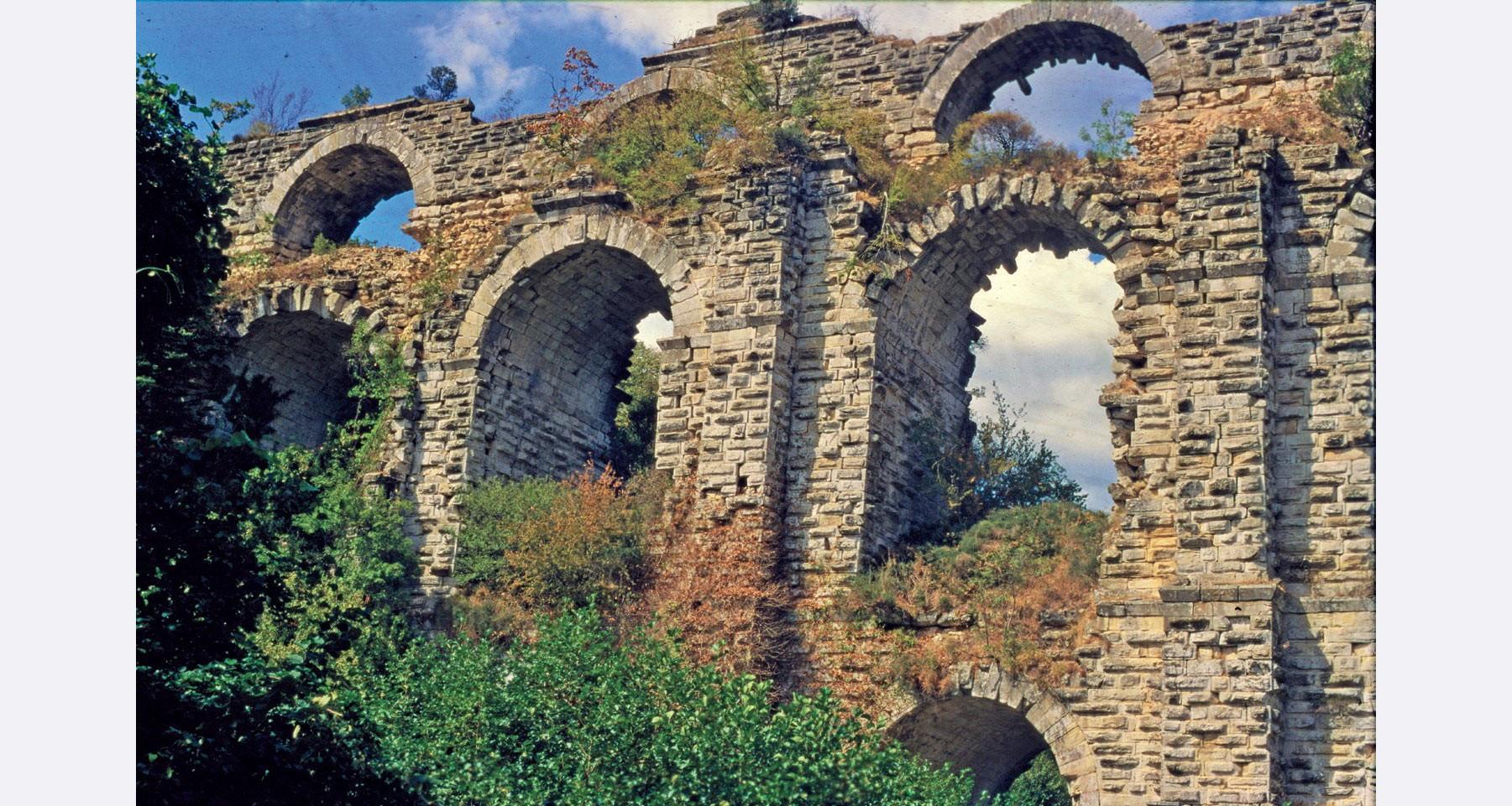 Kurşunlugerme-Brücke des Aquädukts von Konstantinopel