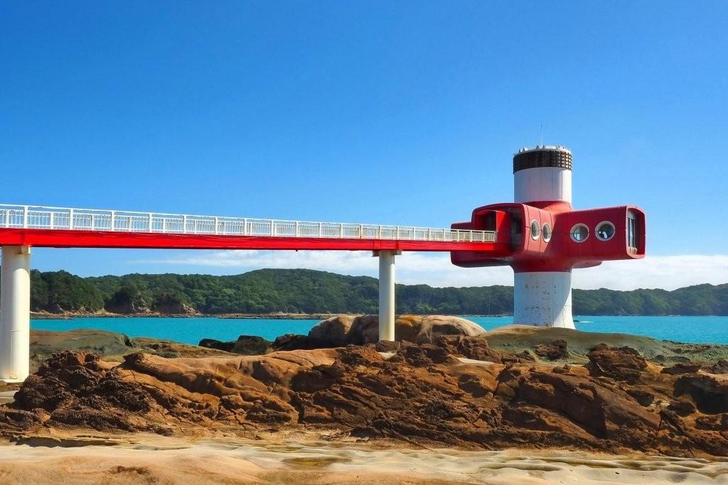 Brücke zum Ashizuri-Tower