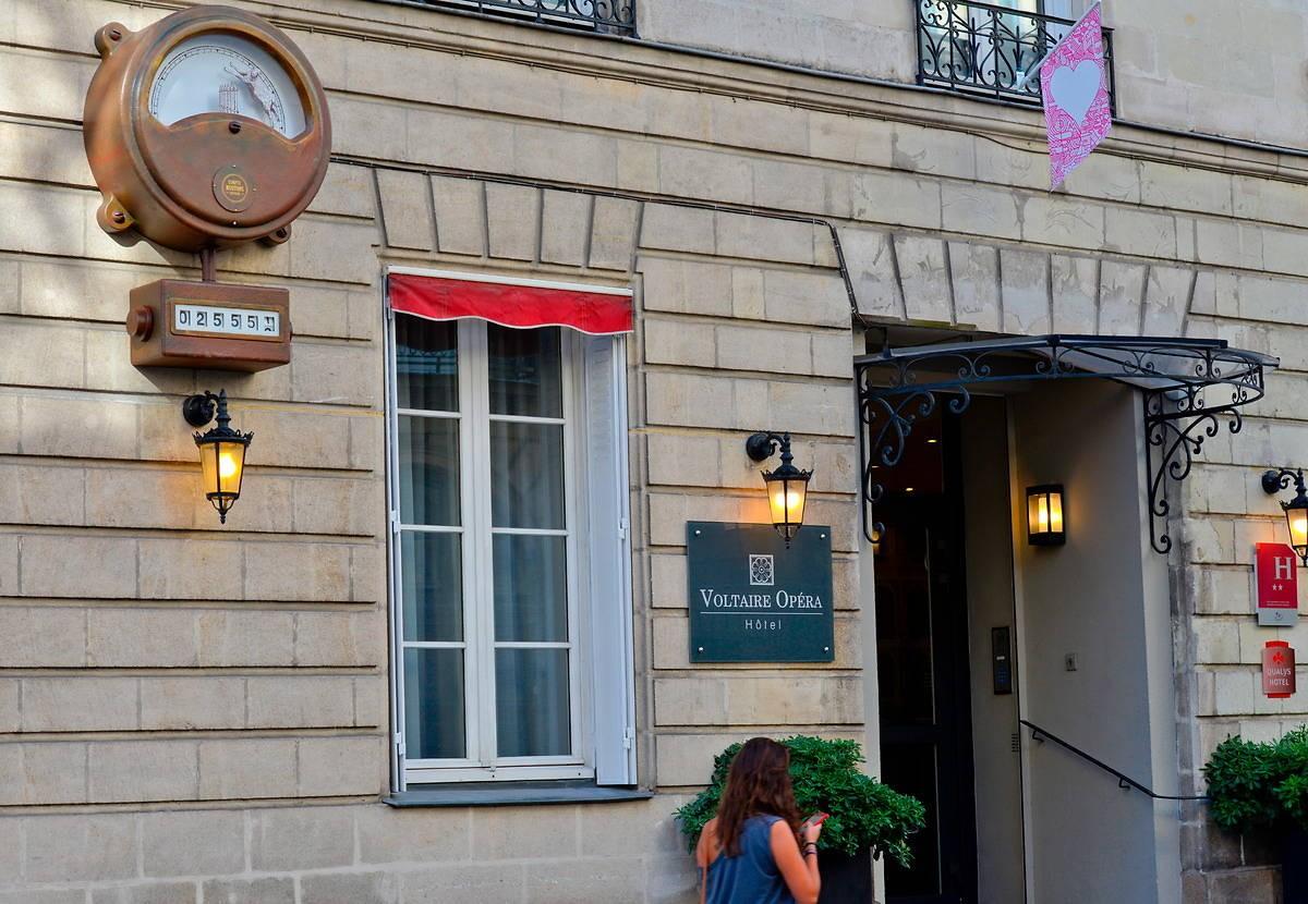 Schäfchenzählautomat vor Hôtel Voltaire Opéra in Nantes