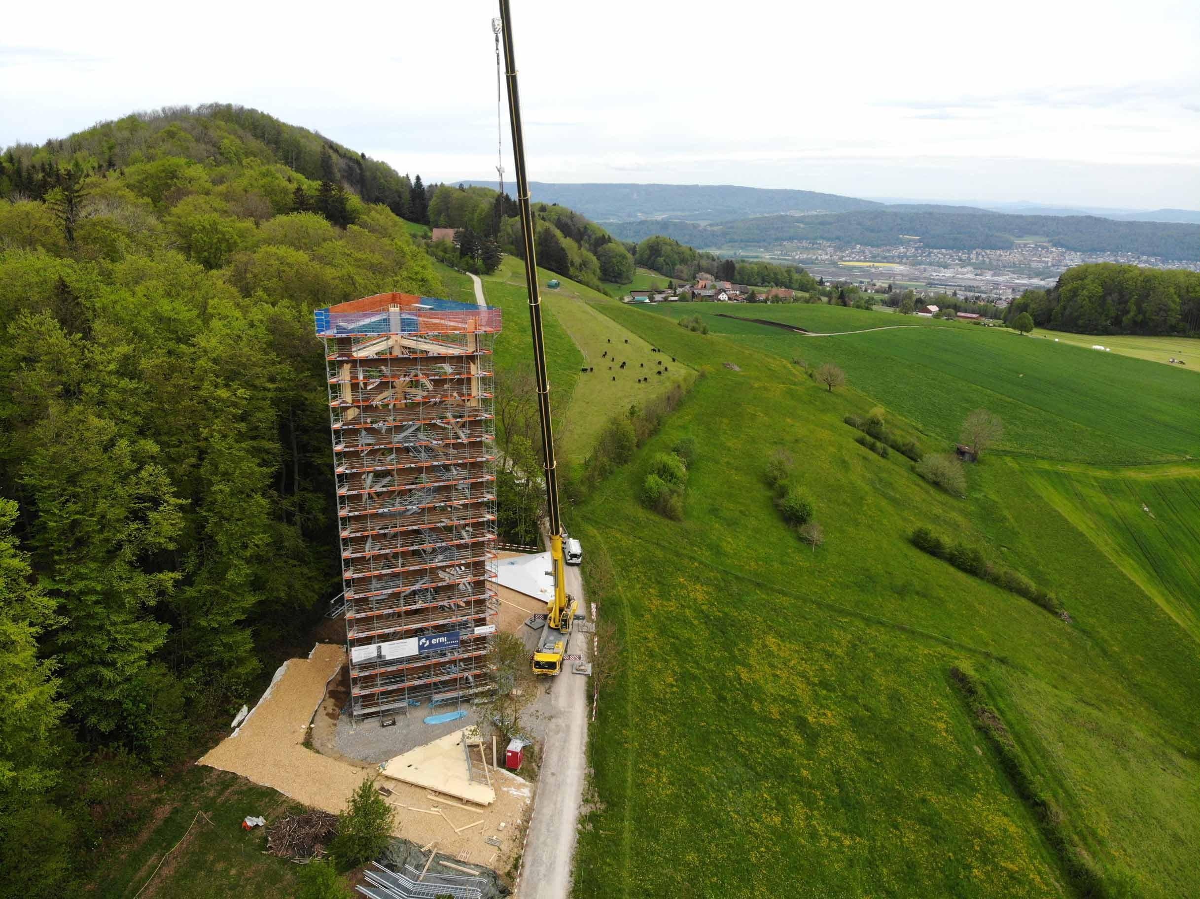 Bau von Hasenbergturm auf dem Mutschellen im Aargau