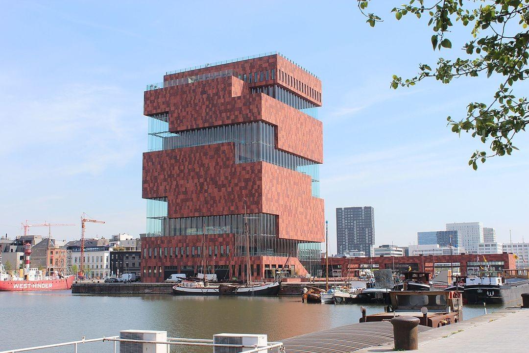 Museum Aan De Stroom in Belgien