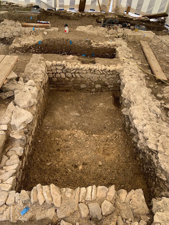 Neu entdeckter mittelalterlicher Keller bei Schloss Beringen