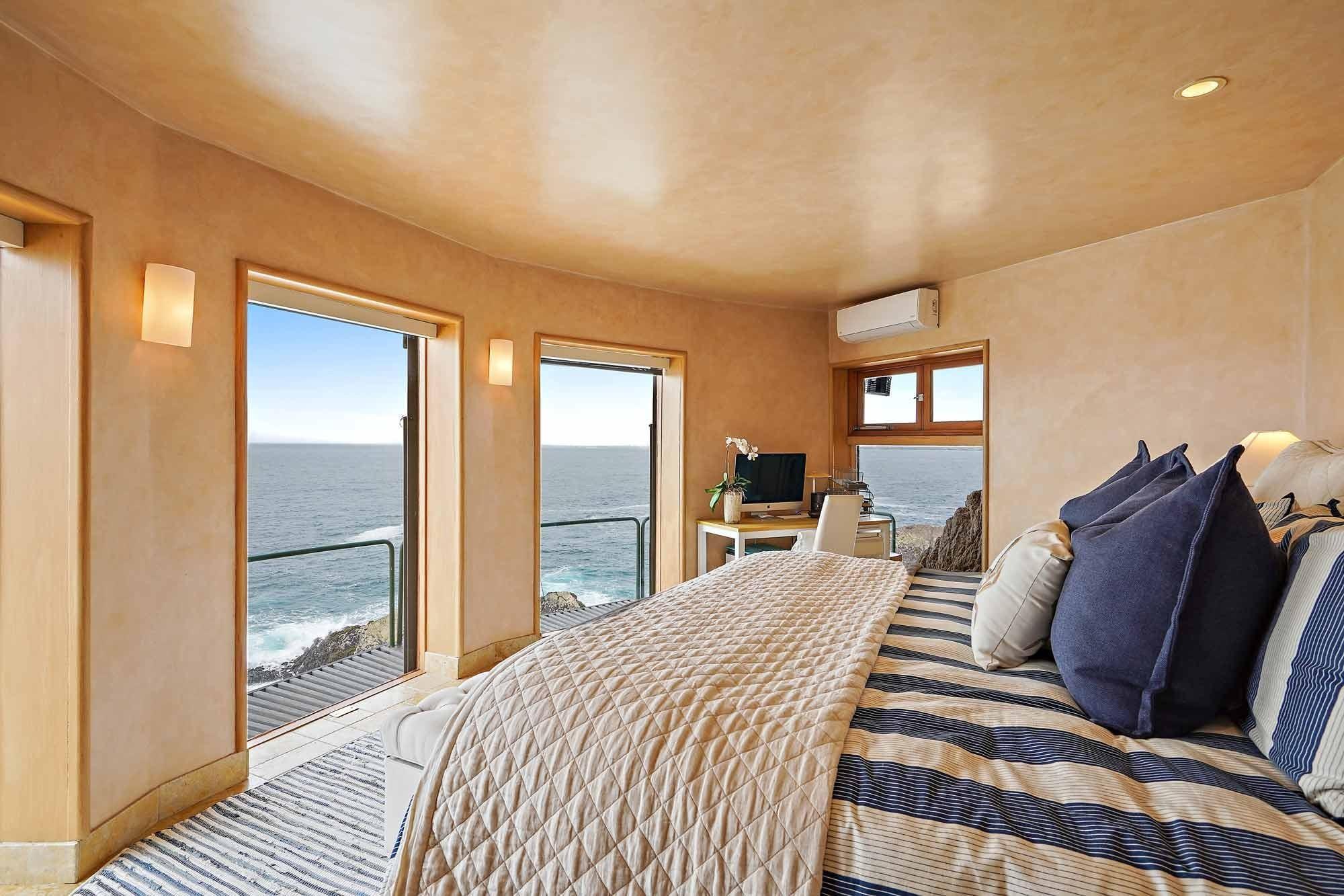 Schlafzimmer Klippenhaus in der Stadt Carmel in Kalifornien