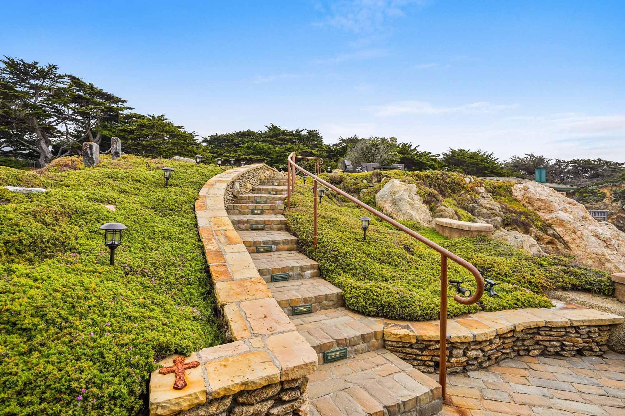 Aussenraum Klippenhaus in der Stadt Carmel in Kalifornien