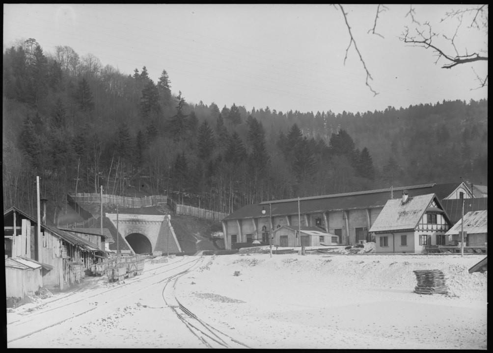 Hauenstein-Südportal mit Maschinenhalle und Wärterhaus 1912 bis 1916