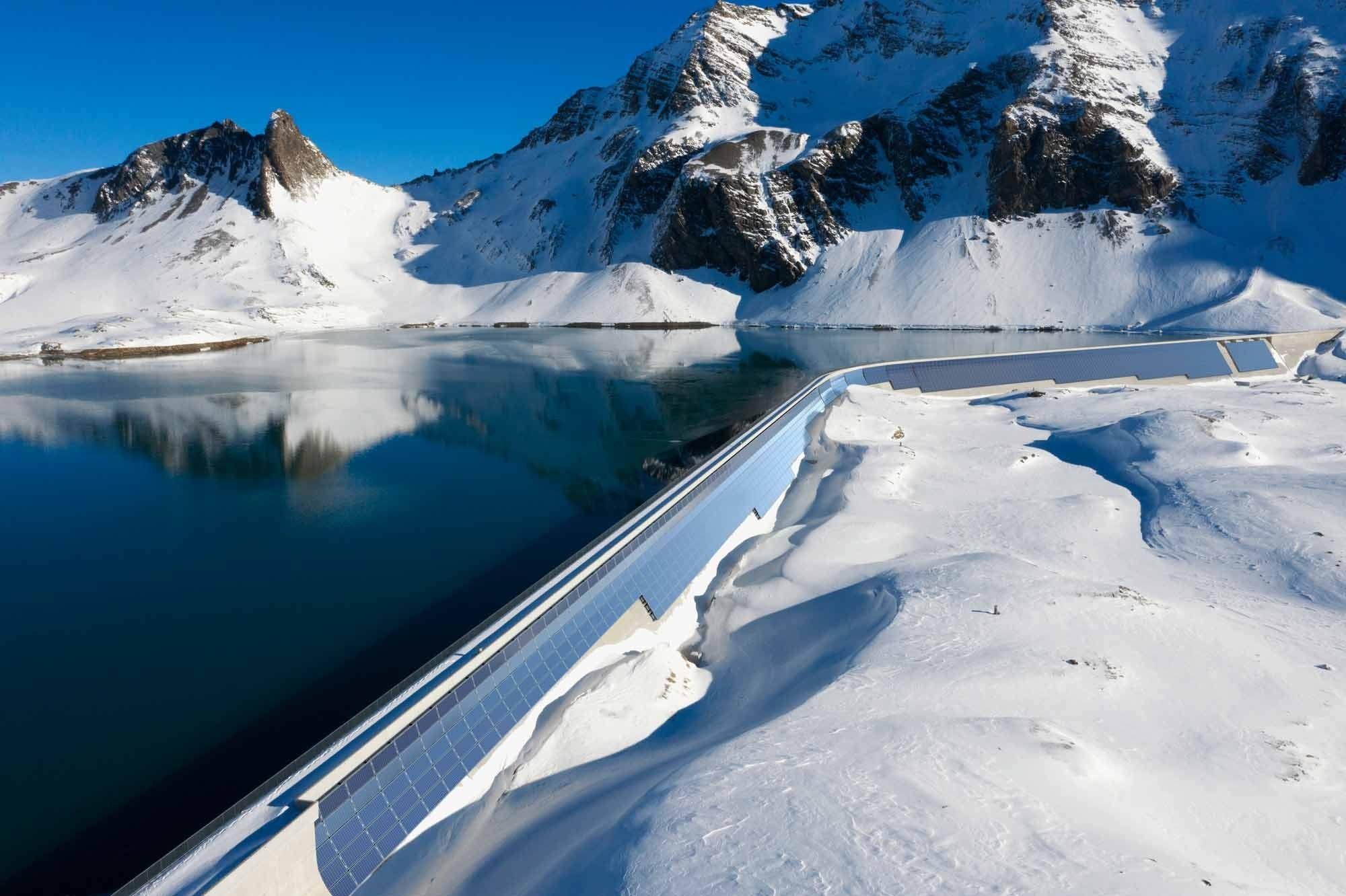 Solarkraftwerk AlpinSolar Muttsee-Staumauer