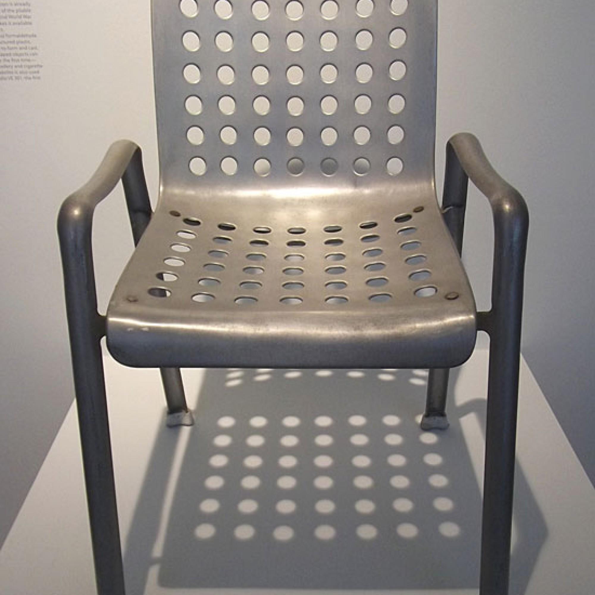 Das Original: Landi-Stuhl von 1938 (Bild: R. G. Winkler, Bad Godesberg; wikimedia, CC)