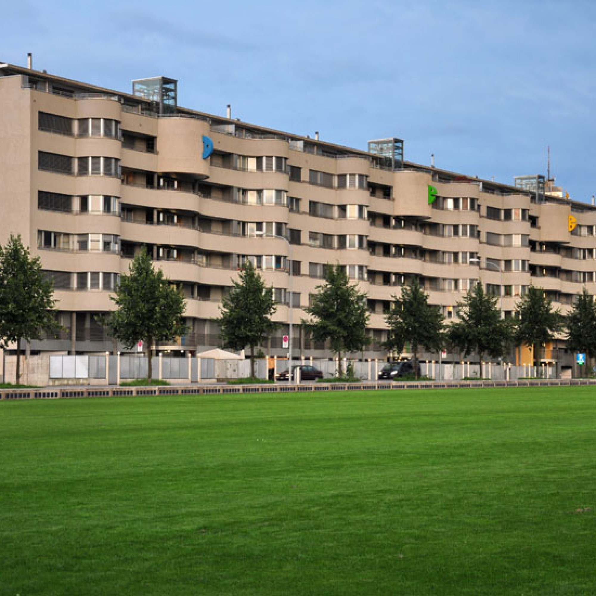 CS-Ökonomen rechnen mit einem Anstieg der Wohnungsleerstände und verweisen damit auf Effekte, die nach der Umsetzung der Initiative gegen Einwanderung eintreten werden. (Bild: Roland zh, wikimedia, CC)
