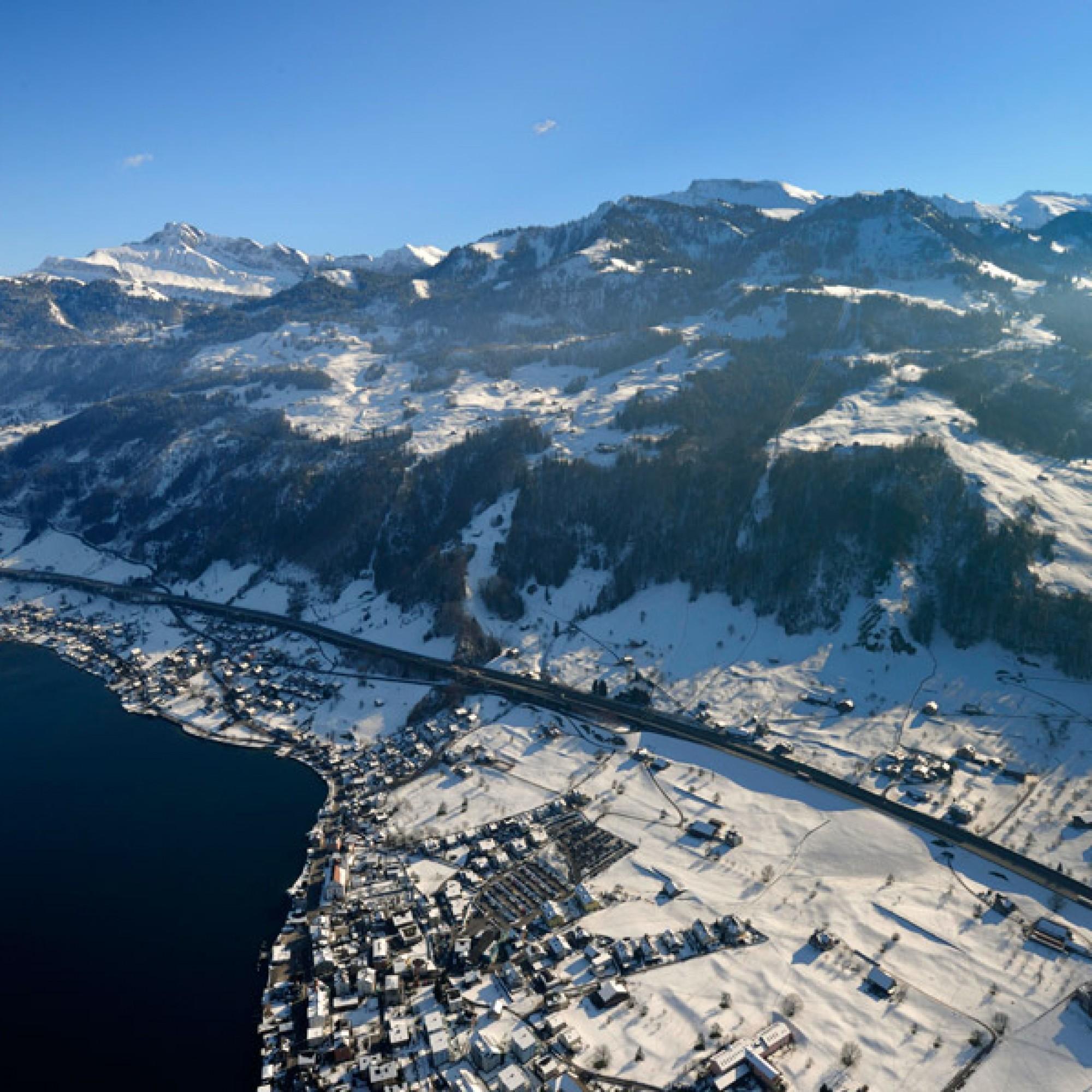 In Nidwalden soll preisgrünstiges Wohnen gefördert werden. Dies gilt auch für das idyllisch gelegene Beckenried am Vierwaldstättersee. (Nidwalden Tourismus, wikimedia.org, CC)