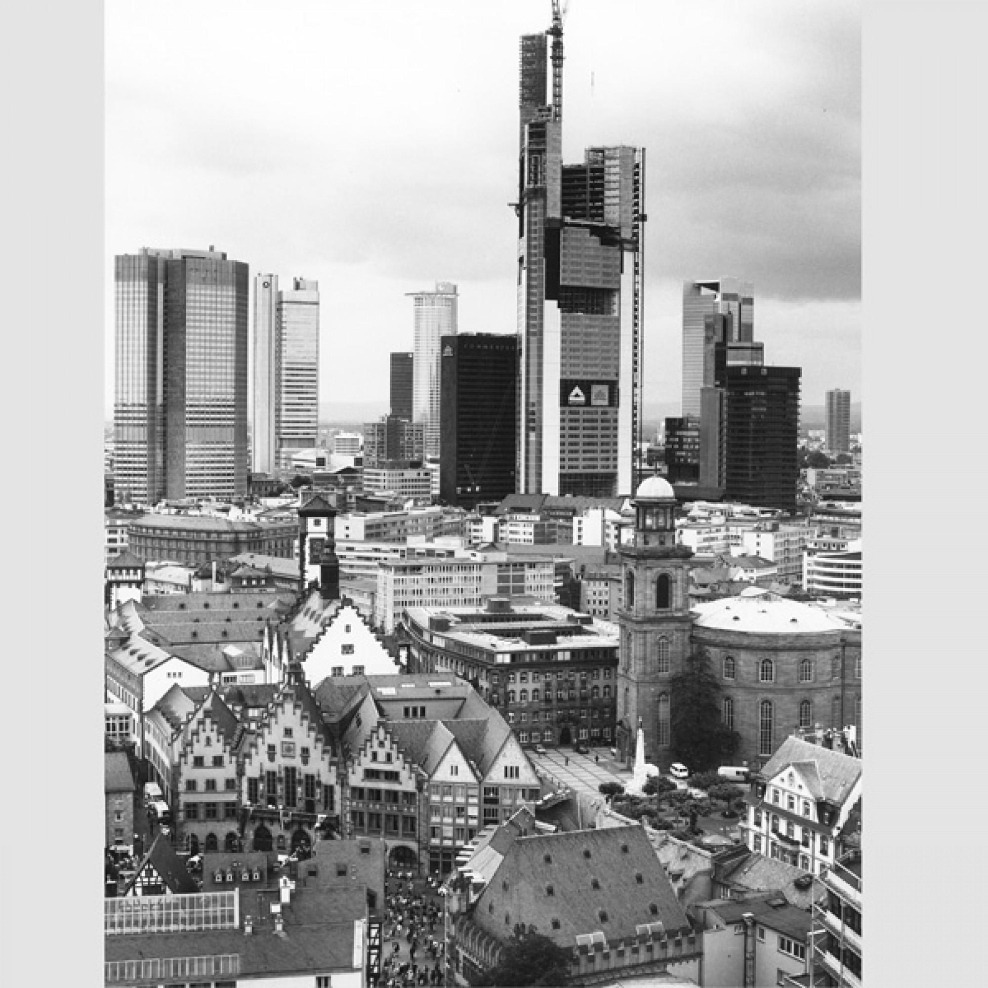 Blick vom Dom auf das Bankenviertel (Klaus Meier-Ude, 1996)