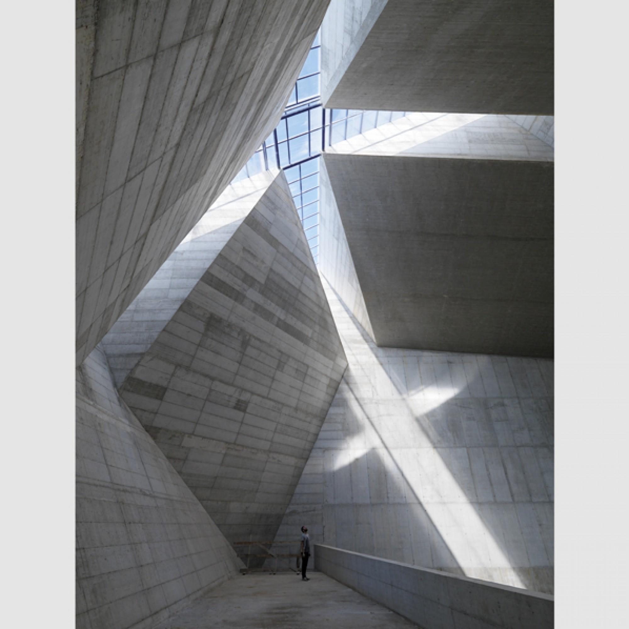 Das Innere der Kirche von Sambuceto in den Abruzzen. (Enrico Cano, Architekturforum Zürich)