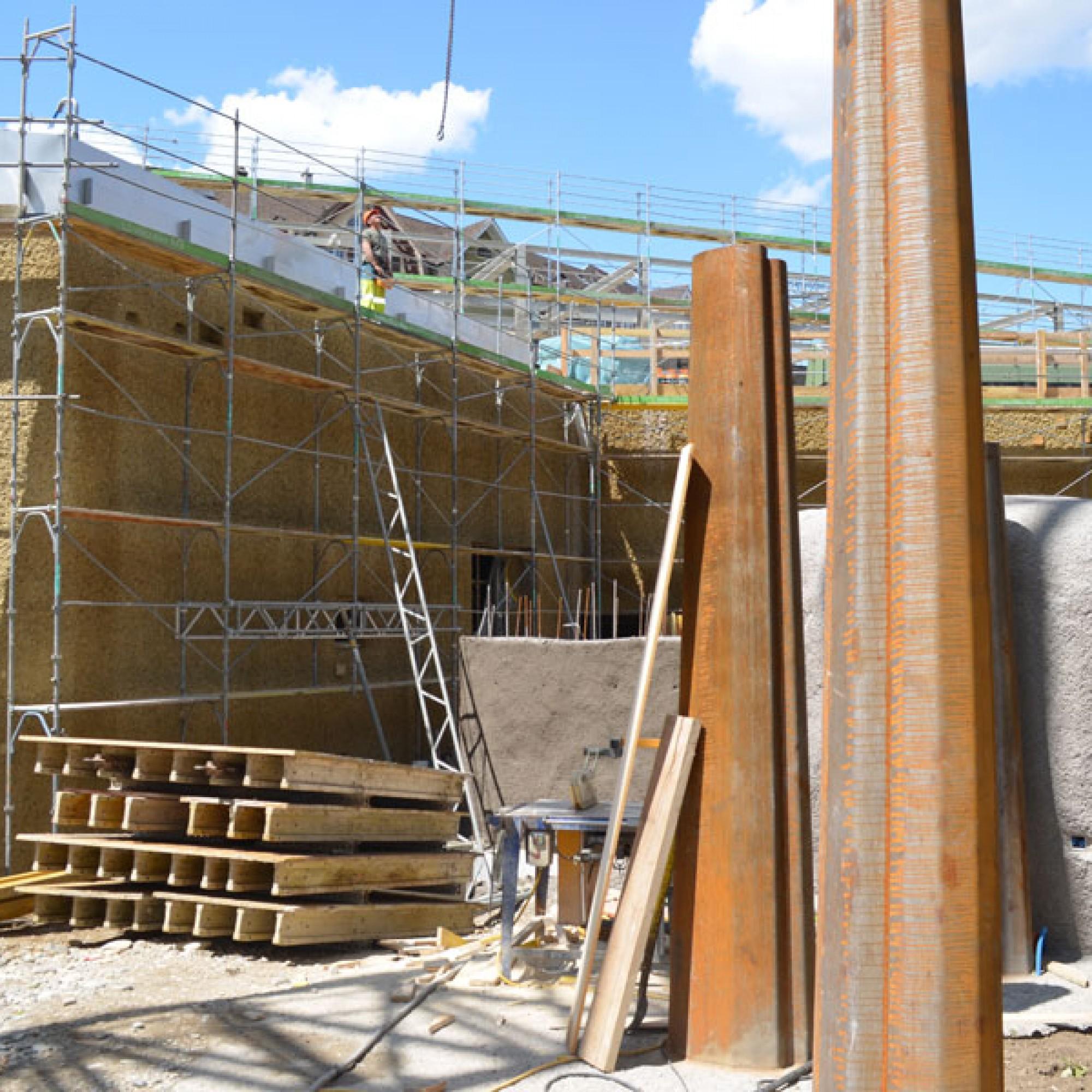 Im obersten Geschoss des neuen Gebäudes wird ein Heulager für den ganzen Zoo gebaut (stg)