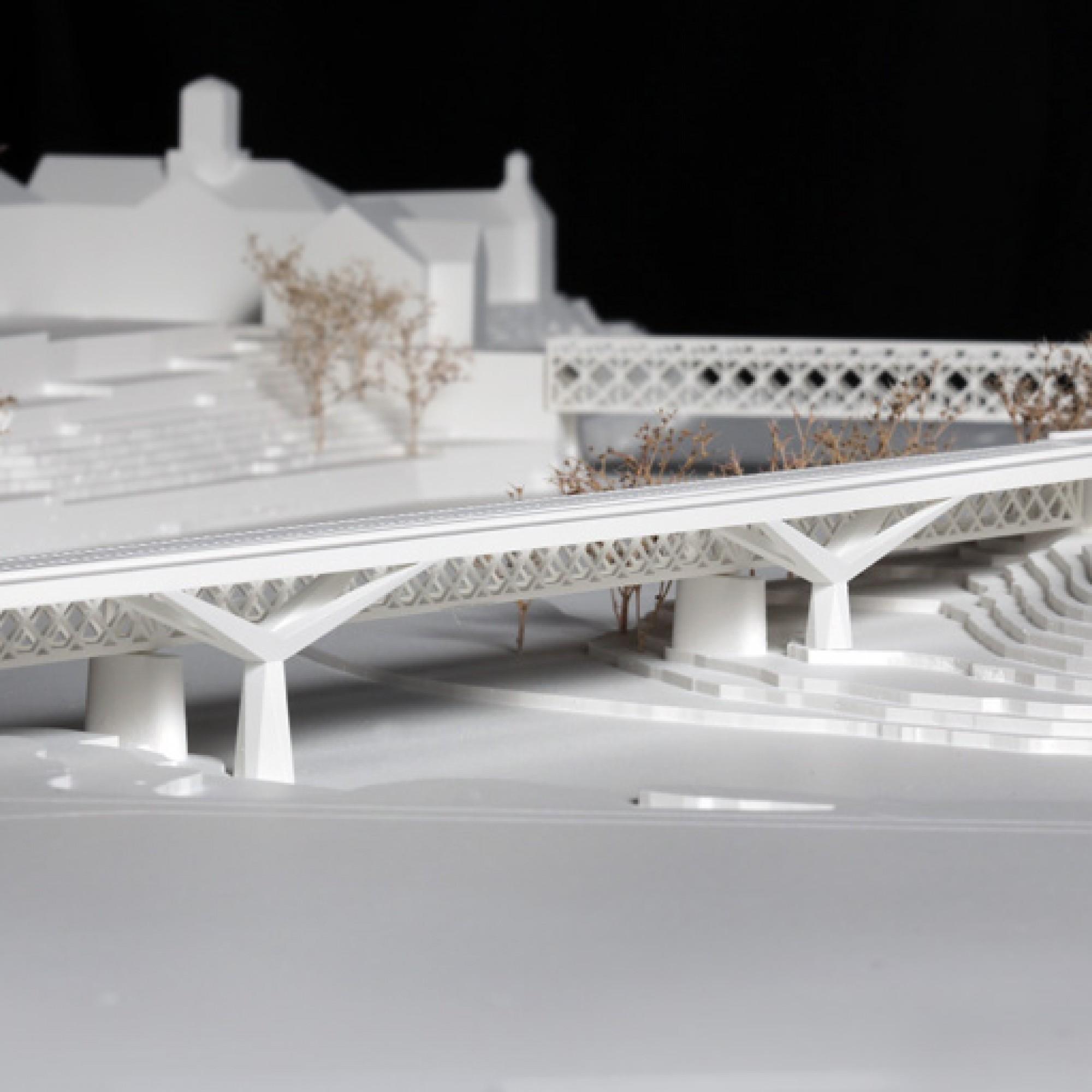 Modell der zweiten Brücke, welche die alte ergänzen soll. (zvg)