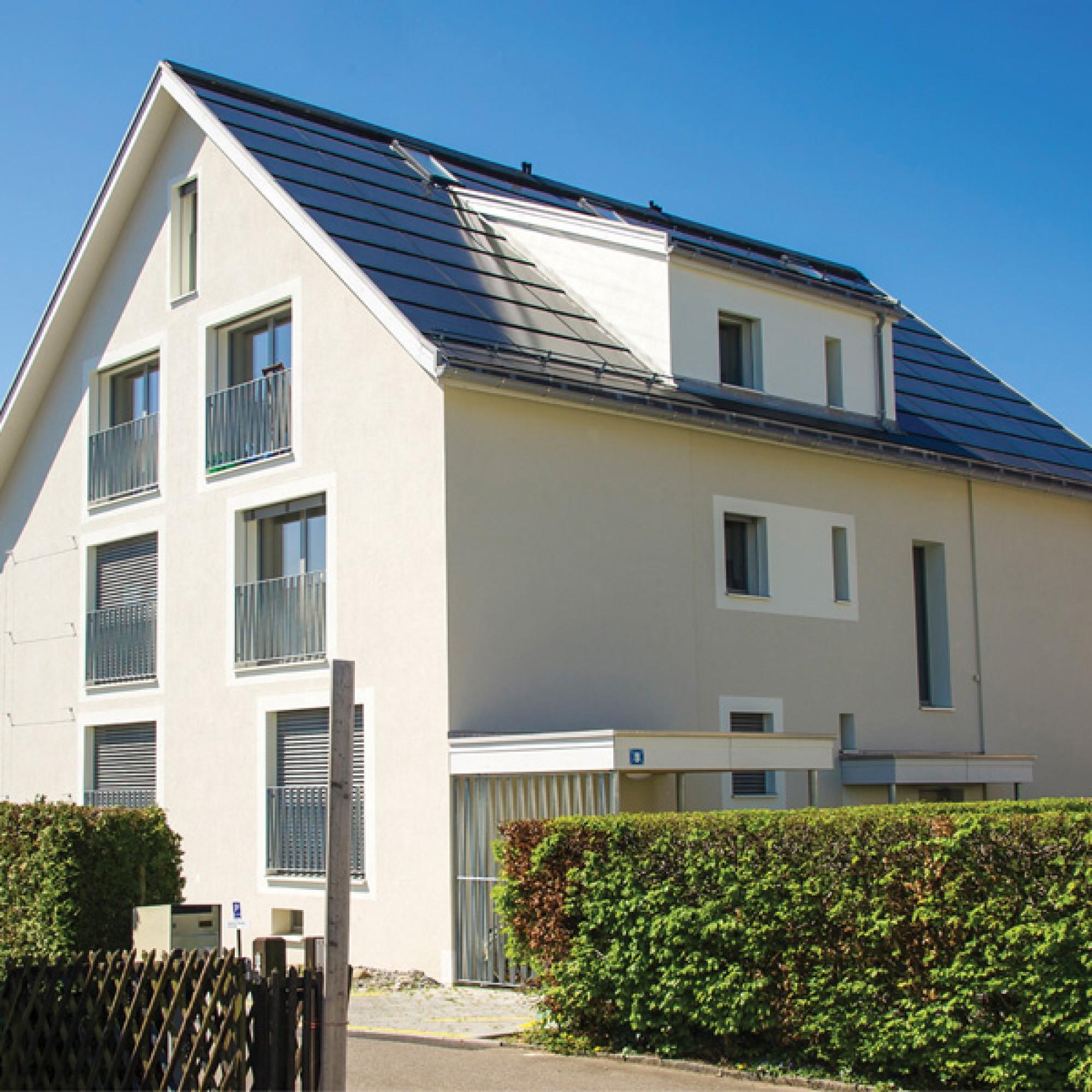 Thomas Hardegger: Mehrfamilienhaus in Oberengstringen (Quelle: Schweizer Solarpreis 2015)