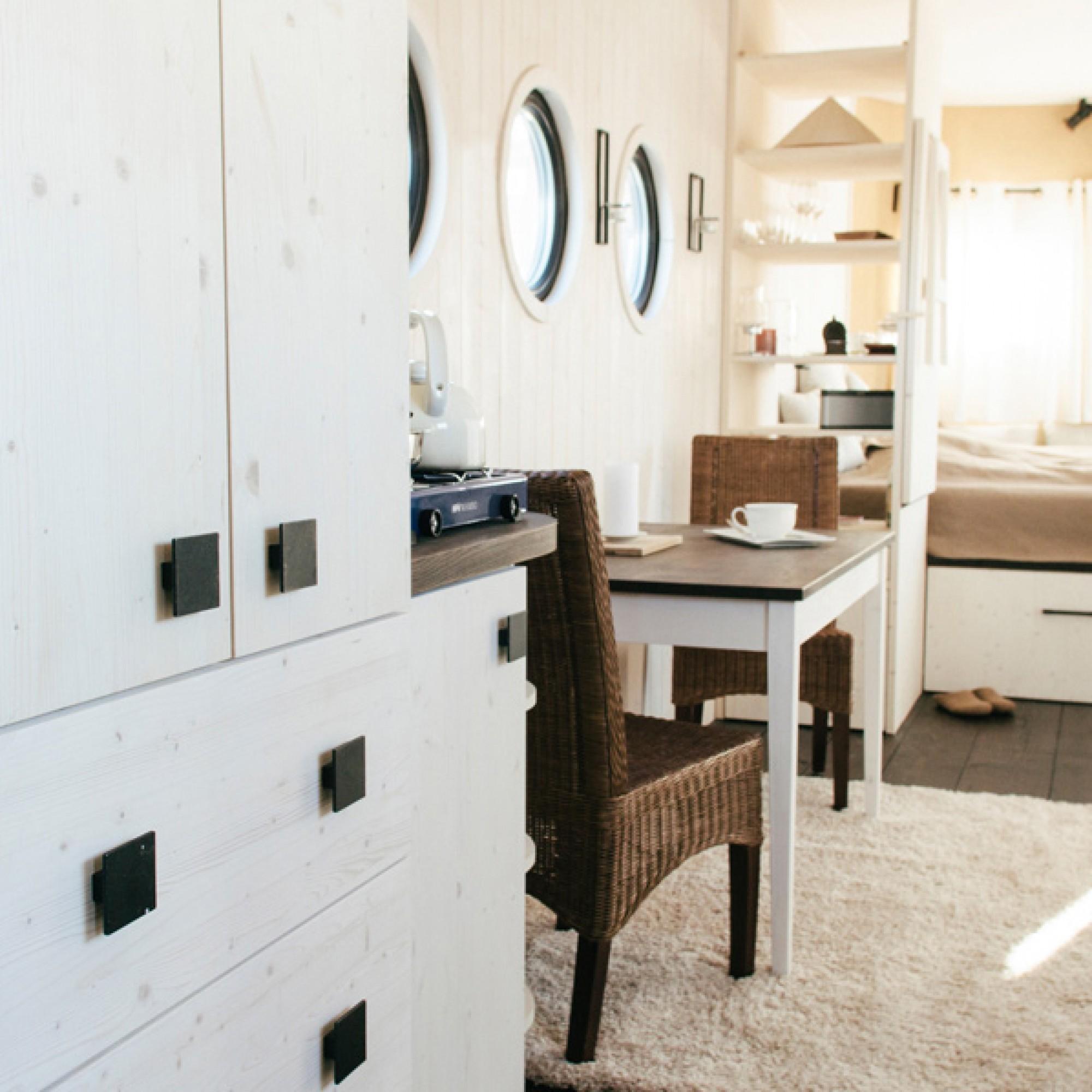 ... und ein Schlafzimmer, ...  (Wohnwagon/PD)