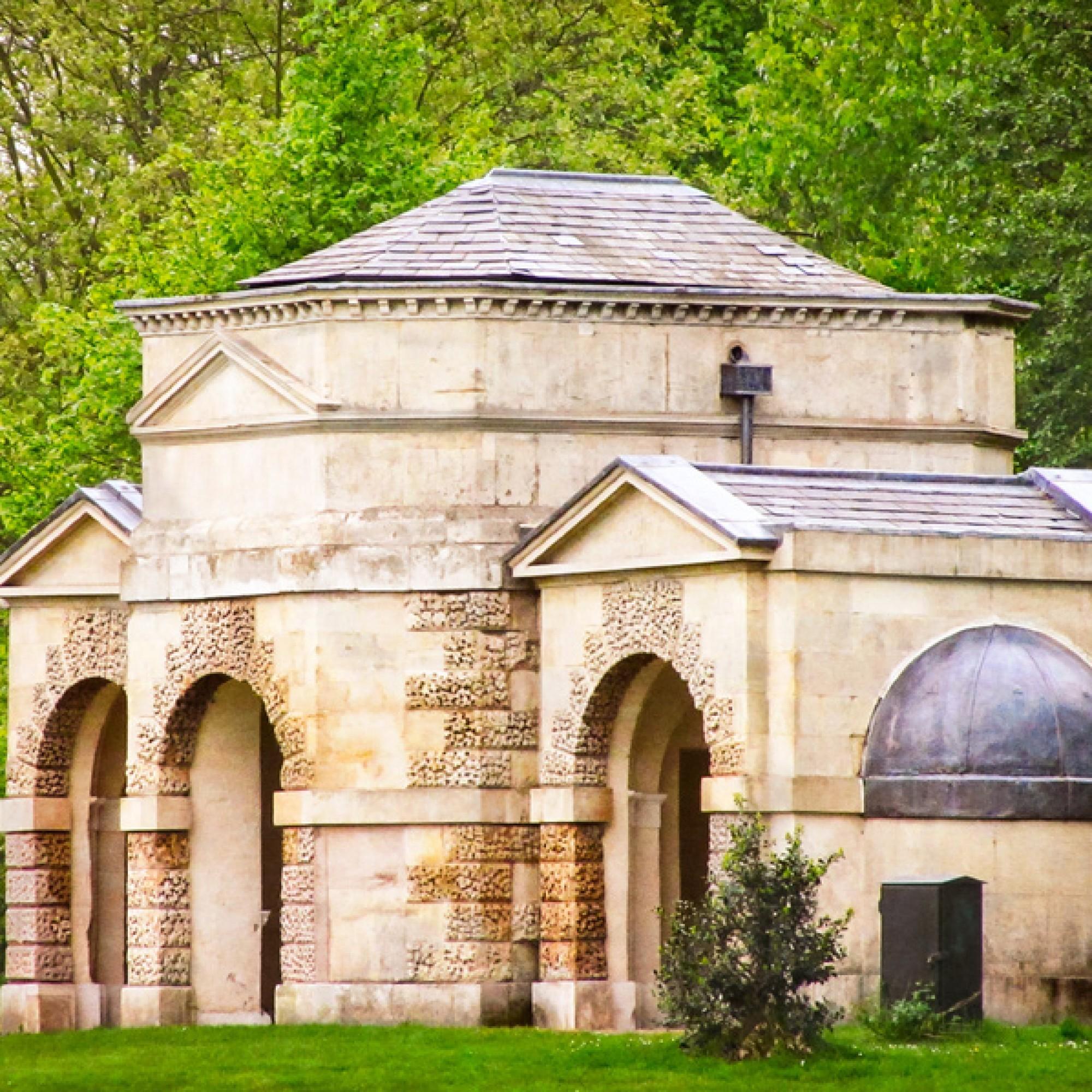 Der Queen Caroline Temple soll zu vier Sommerhäusern inspireren. (PD / Photo by Garry Knight)