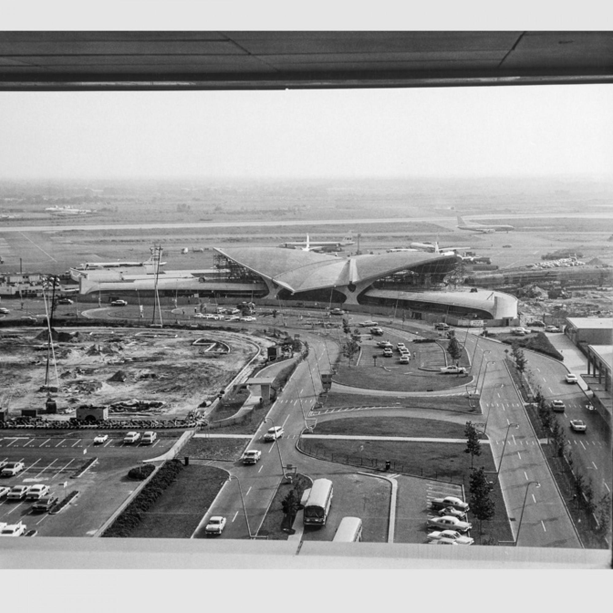 TWA Flughafenterminal, circa 1961 © Dan Page / Eero Saarinen Collection (MS 593). Manuscripts and Archives, Yale University Library 1/9