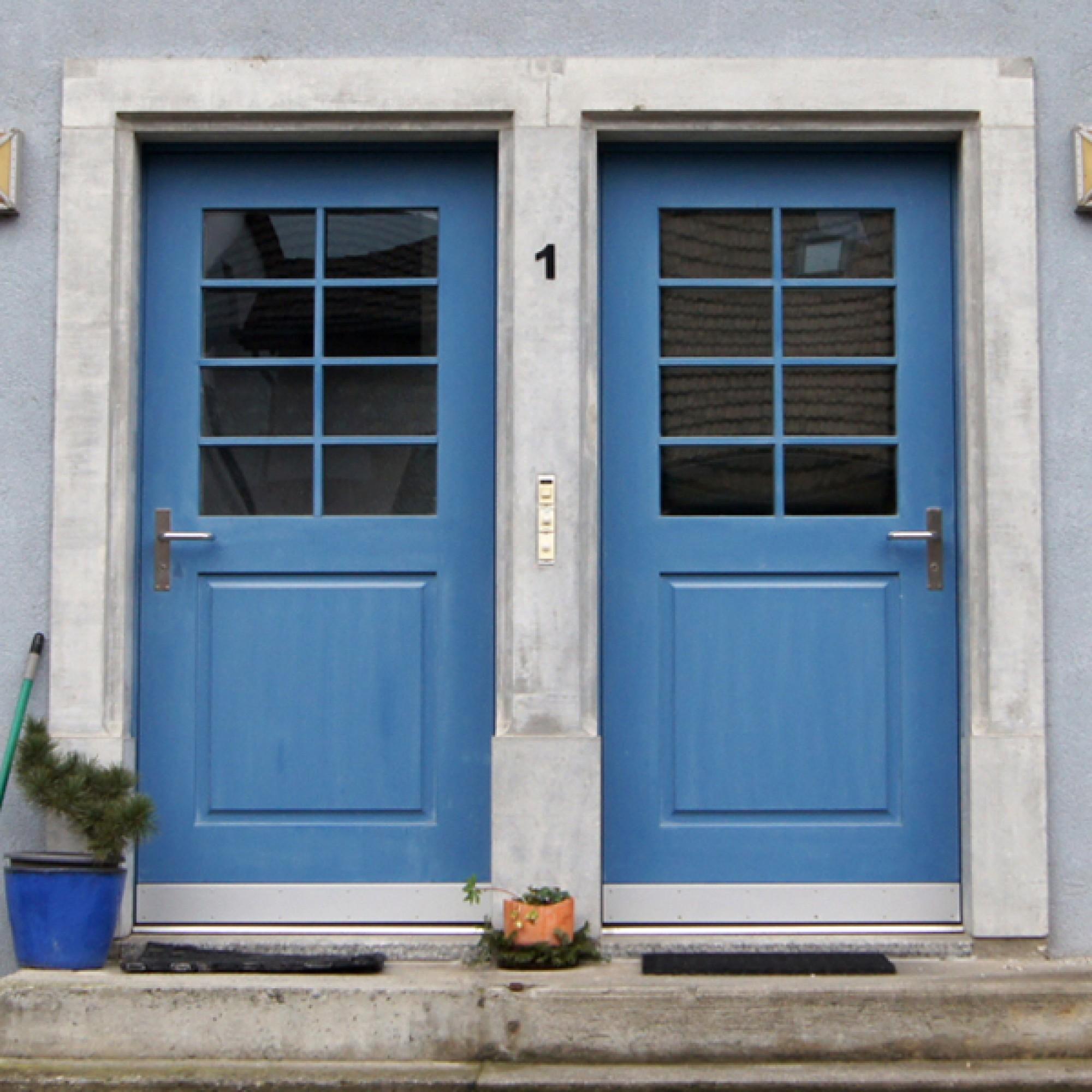Haus mit Doppeltür (zvg)