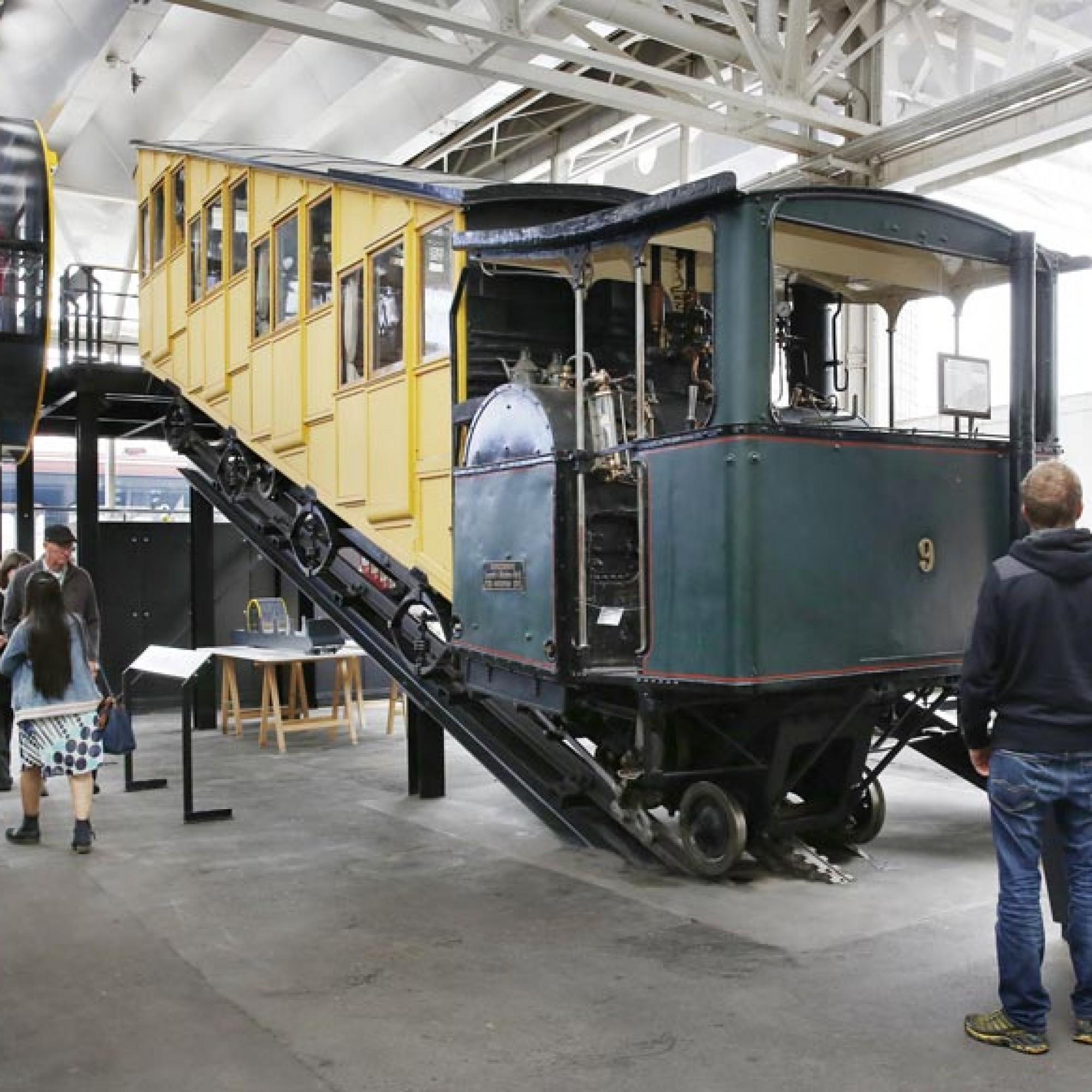 In der Schienenhalle ist die steilste Zahnradbahn der Welt zu sehen. (Foto: Verkehrshaus der Schweiz/Christen)