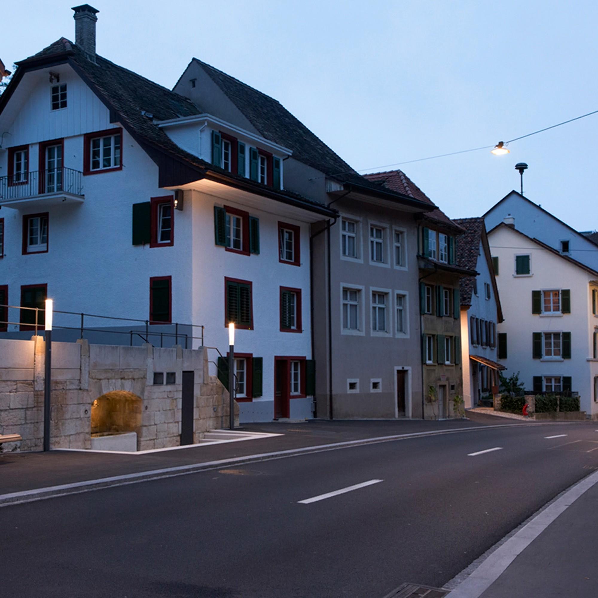 Stimmungsvolles Licht an der Ortsdurchfahrt von Waldenburg. (Ralph Lehner Fotografie, Allschwil / PD) 1/3