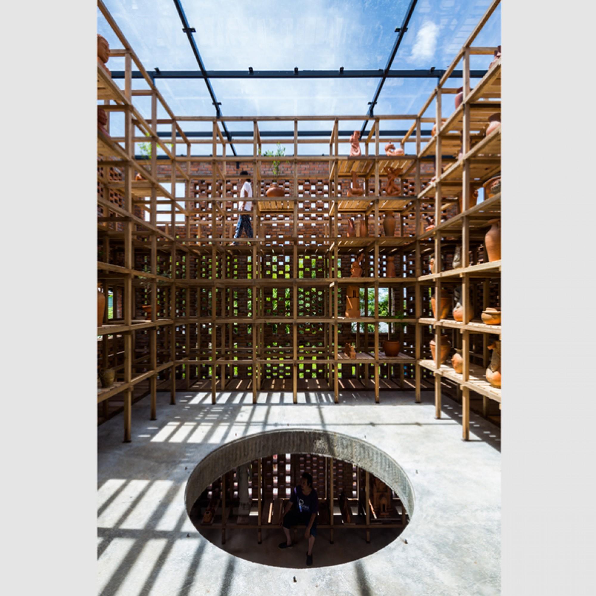 Das Innere ist genauso luftig wie die Fassade.   (Hiroyuki Oki/zvg)