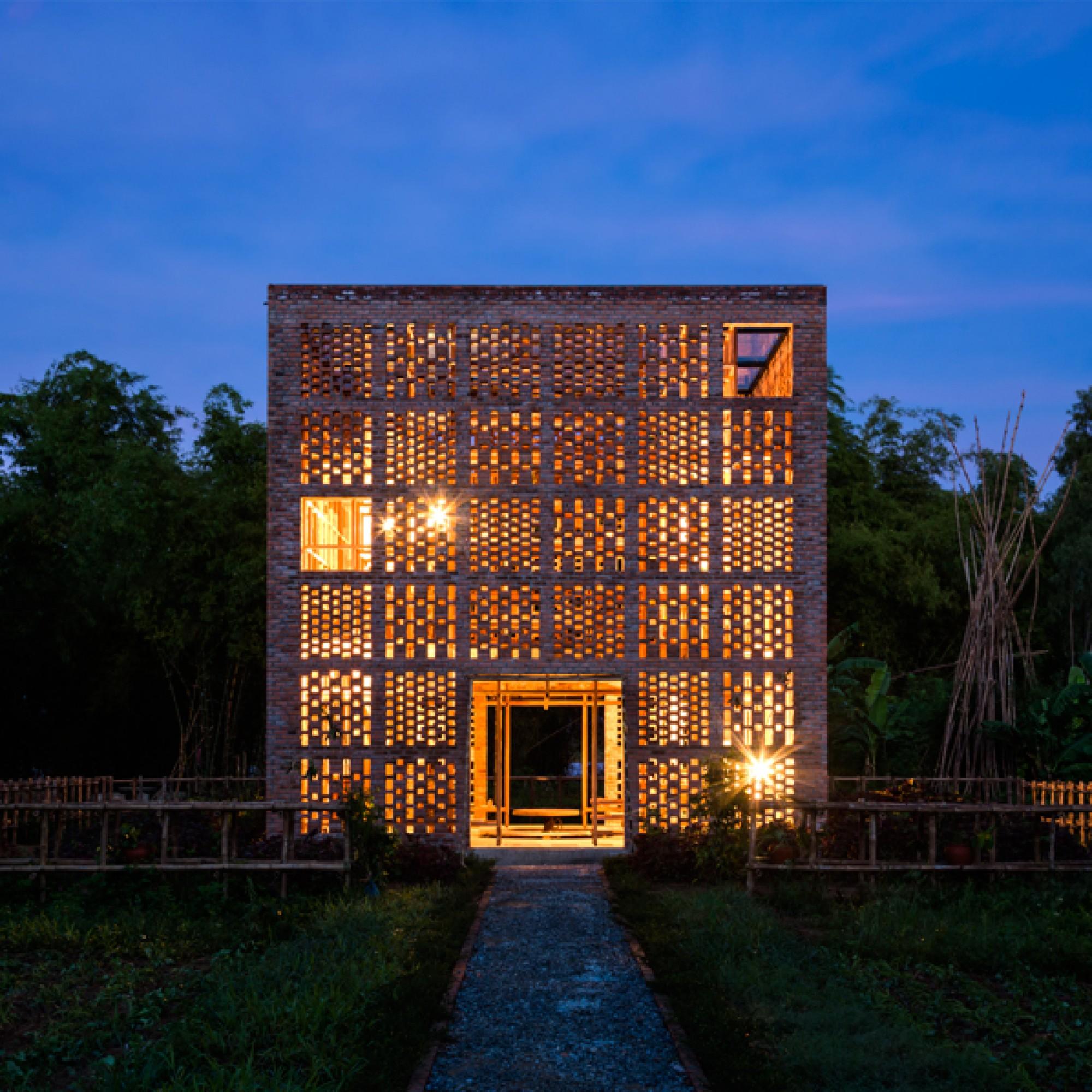 Auch nachts ist der Pavillon ein faszinierender Anblick. (Hiroyuki Oki/zvg)