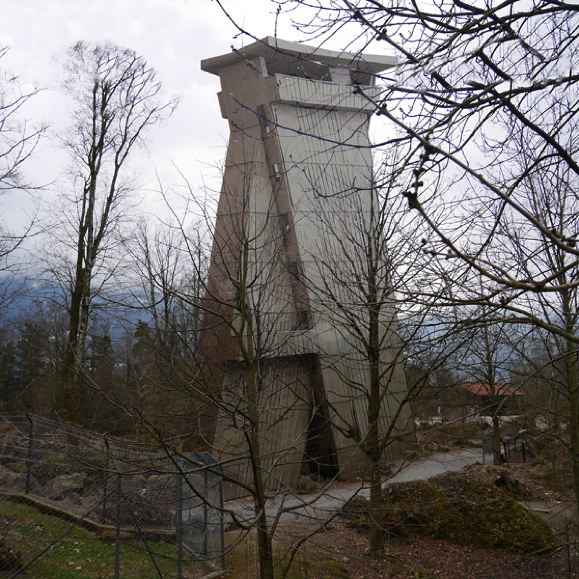 So soll der Turm aussehen, wenn er in einigen Wochen – je nach Wetter – fertig ist. (Architekturbüro Gion A. Caminada)