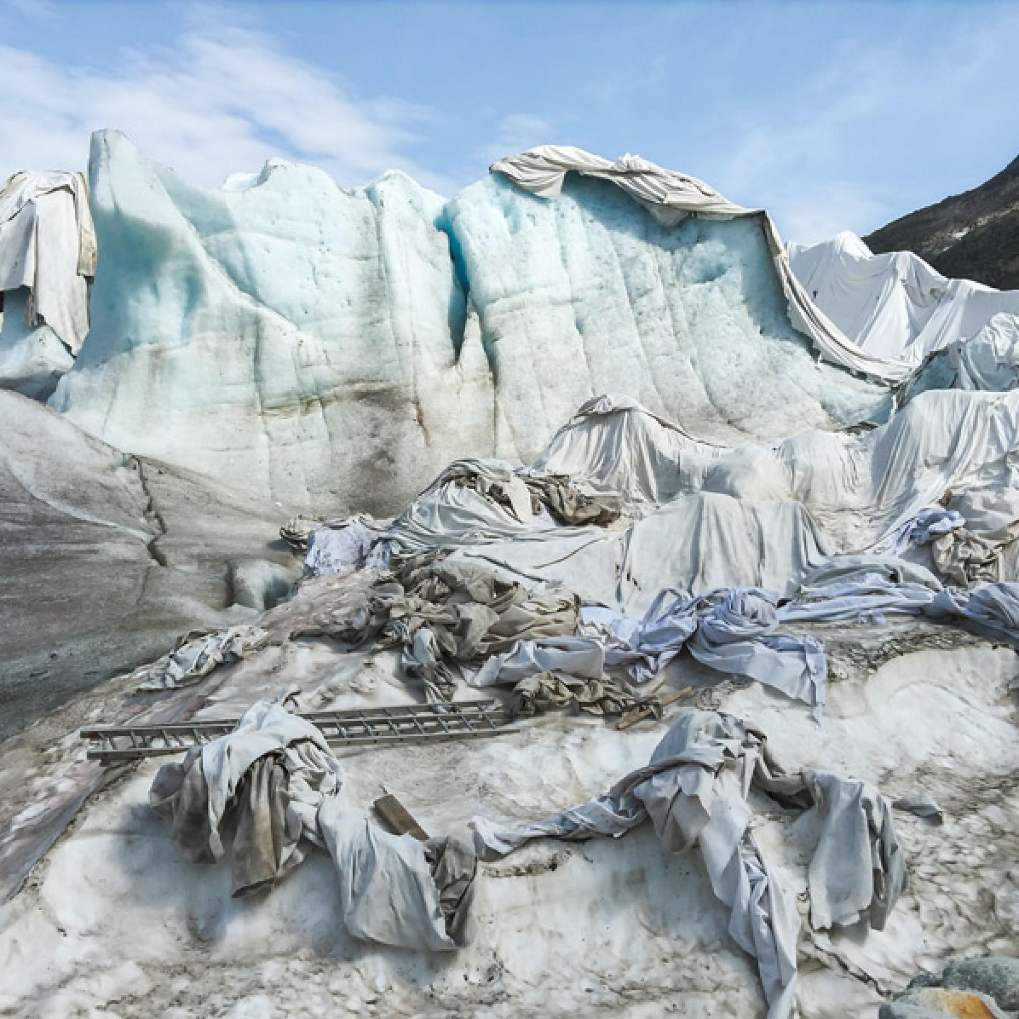 Jacques Pugin,  #001 Gletscher, Rhonegletscher, 46°34'48» N 8°23'12'' E , 2015.  (Jacques Pugin, Sammlung des Musée de l'Elysée)