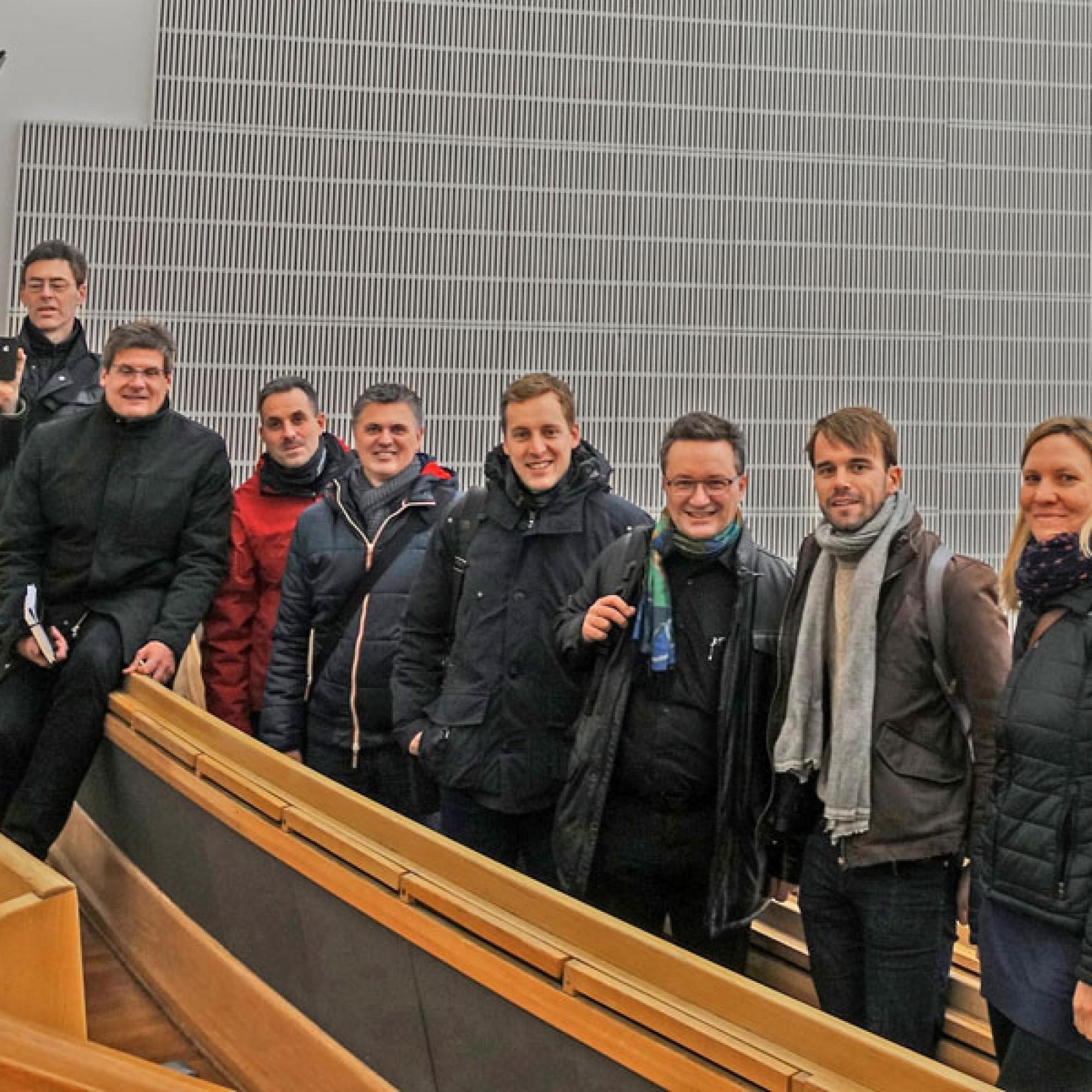Die erfolgreichen Digital-Teilnehmer im Aalto-Auditorium in Helsinki: Jan Schlaepfer Hausdorff, Philipp Wieting Werknetz Architektur; Luca Mussio, Hoffmann-La Roche Ltd; Frank Wurow, Jordahl H-Bau AG; Thomas Koller, pzm AG; Andreas Gemperle, Rothpletz, Li