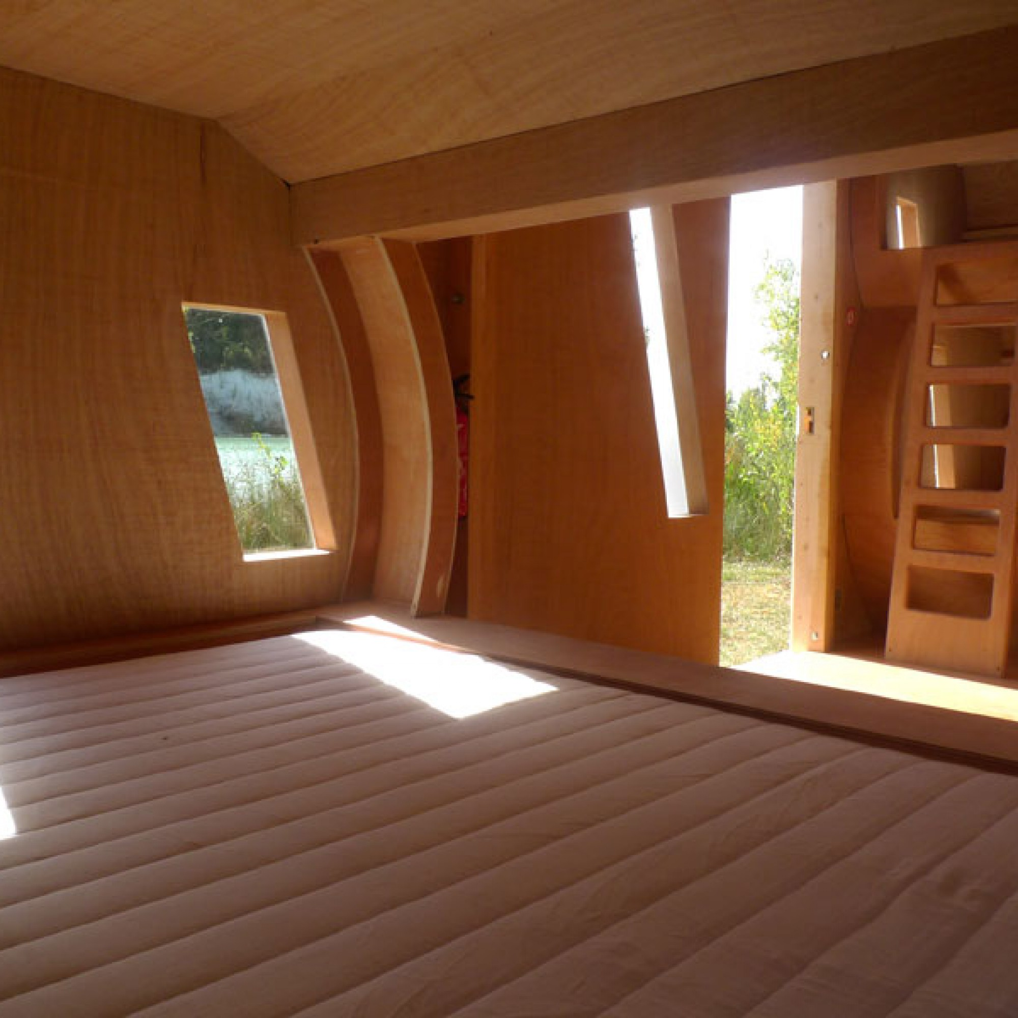 Grosse Matratzen bieten Platz für neun Leute. (Bild: Bordeaux Métropole/ Zebra3 CC BY-NC-ND 2.0)