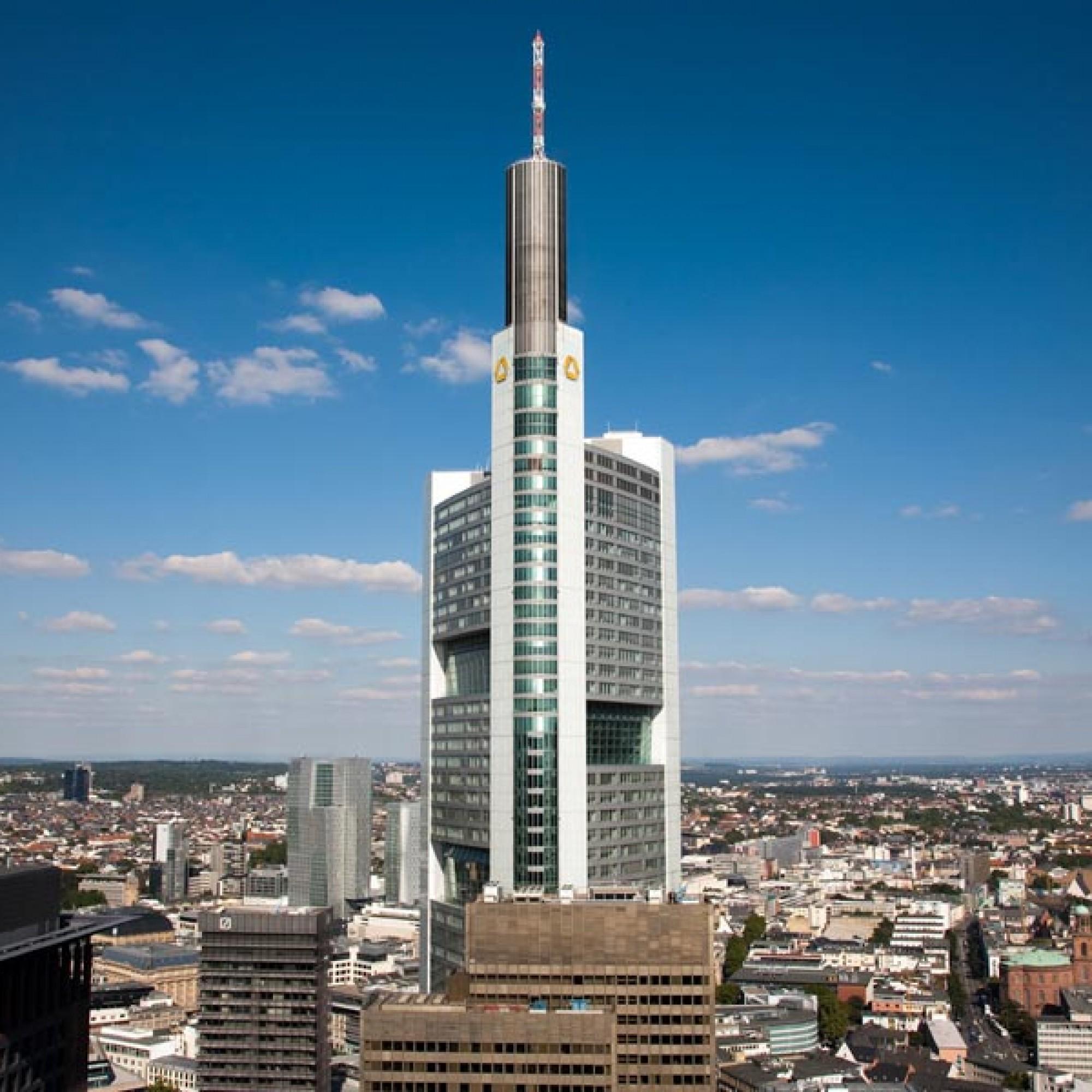 Ansicht des Commerzbank-Towers mit den an den Fassadenfronten versetzten Skygärten. (Fotos: Commerzbank AG)