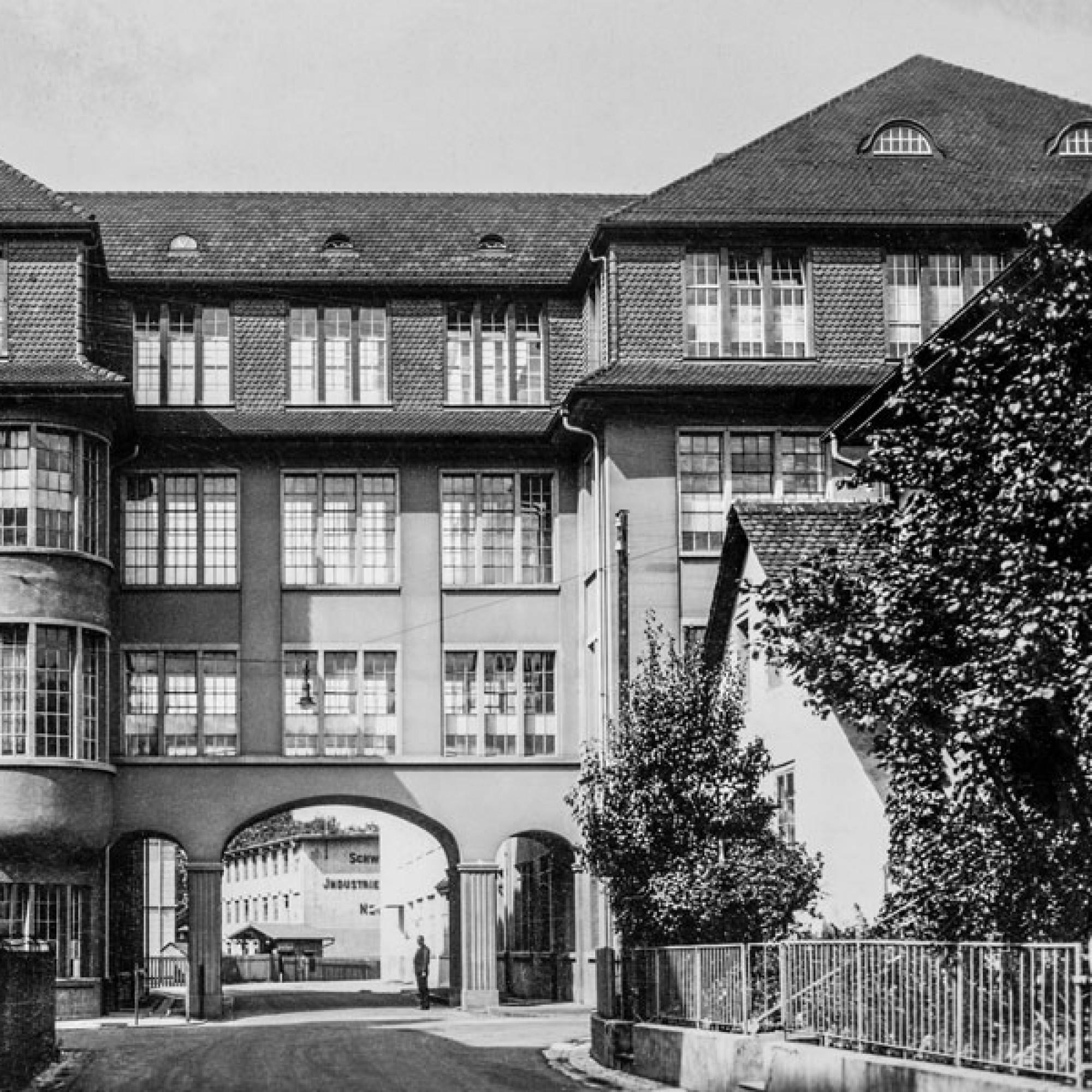 In den 1940er Jahren entstanden prägenden SIG-Bauten: Ein Verwaltungsgebäude...