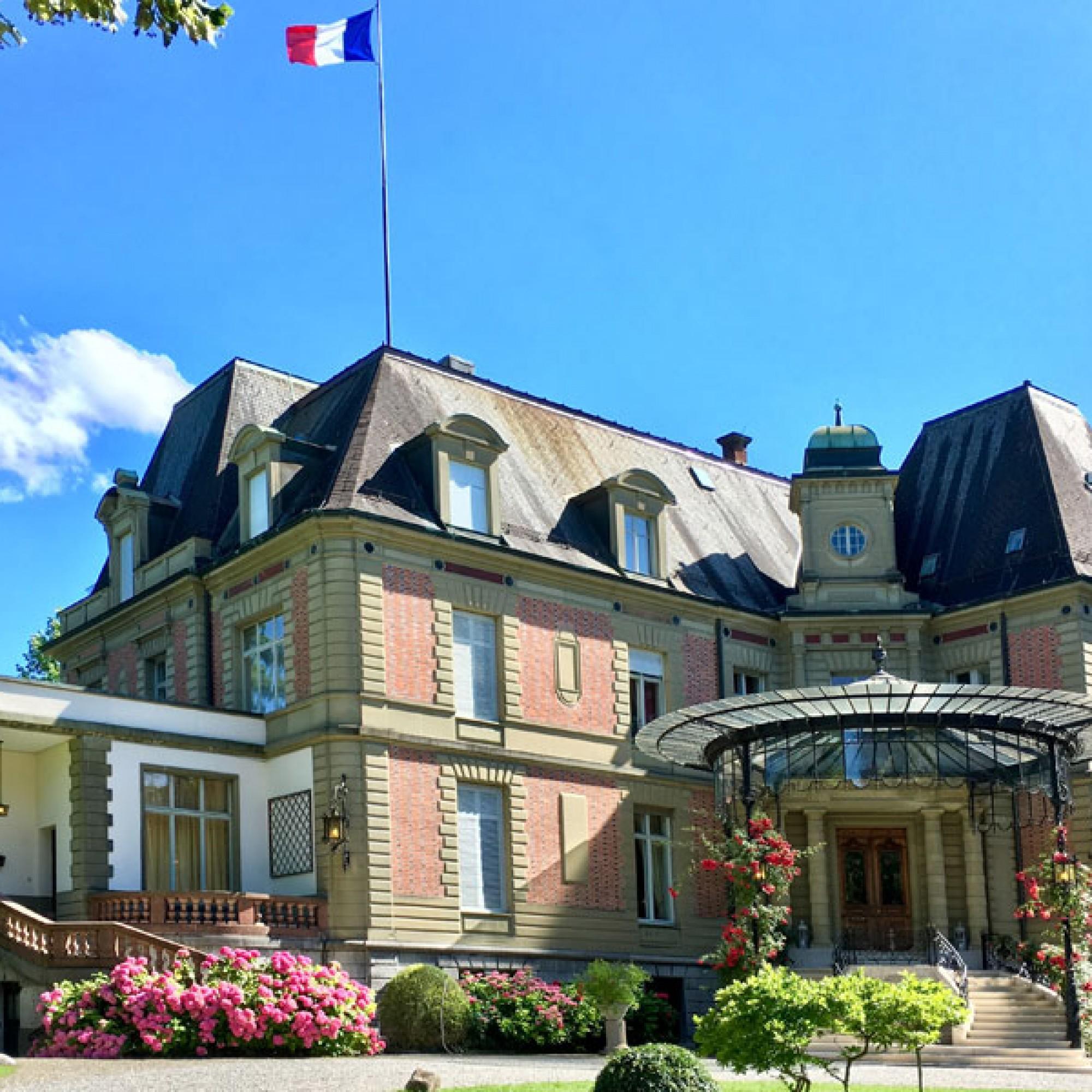 Die Französische Botschaft in der Schweiz lädt zur Besichtigung der Villa von Tscharner in Bern ein. (Bild: © C. Boillat / Französische Botschaft)