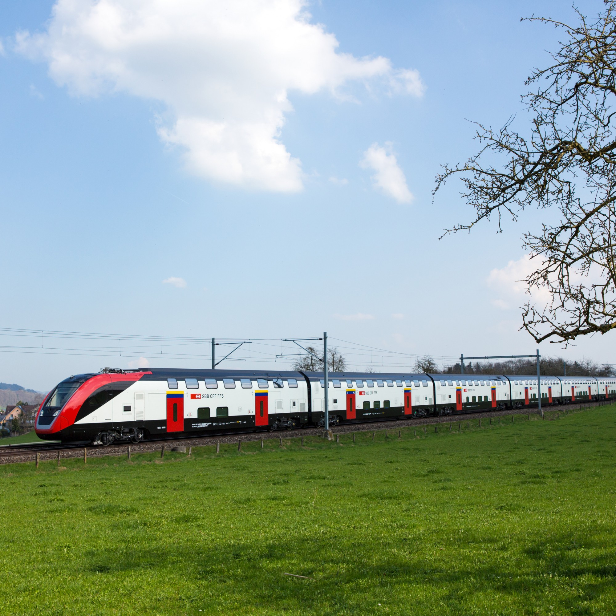 Der neue Doppelstockzug unterwegs in der Ostschweiz.