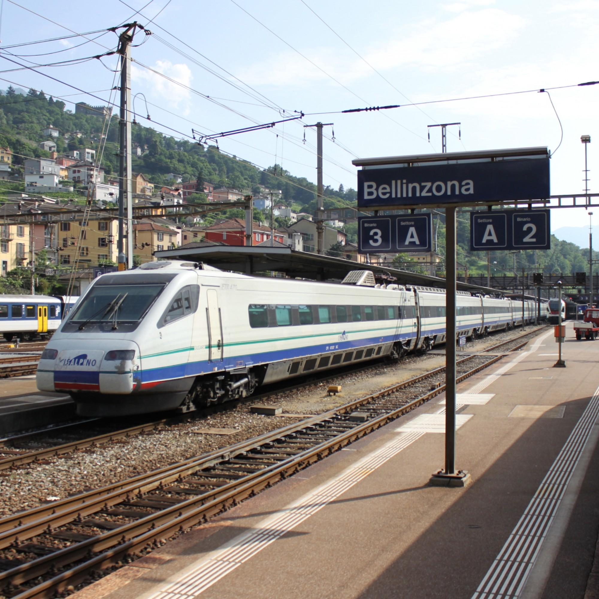 Cisalpino ETR 470 003 beim Bahnhof Bellinzona.