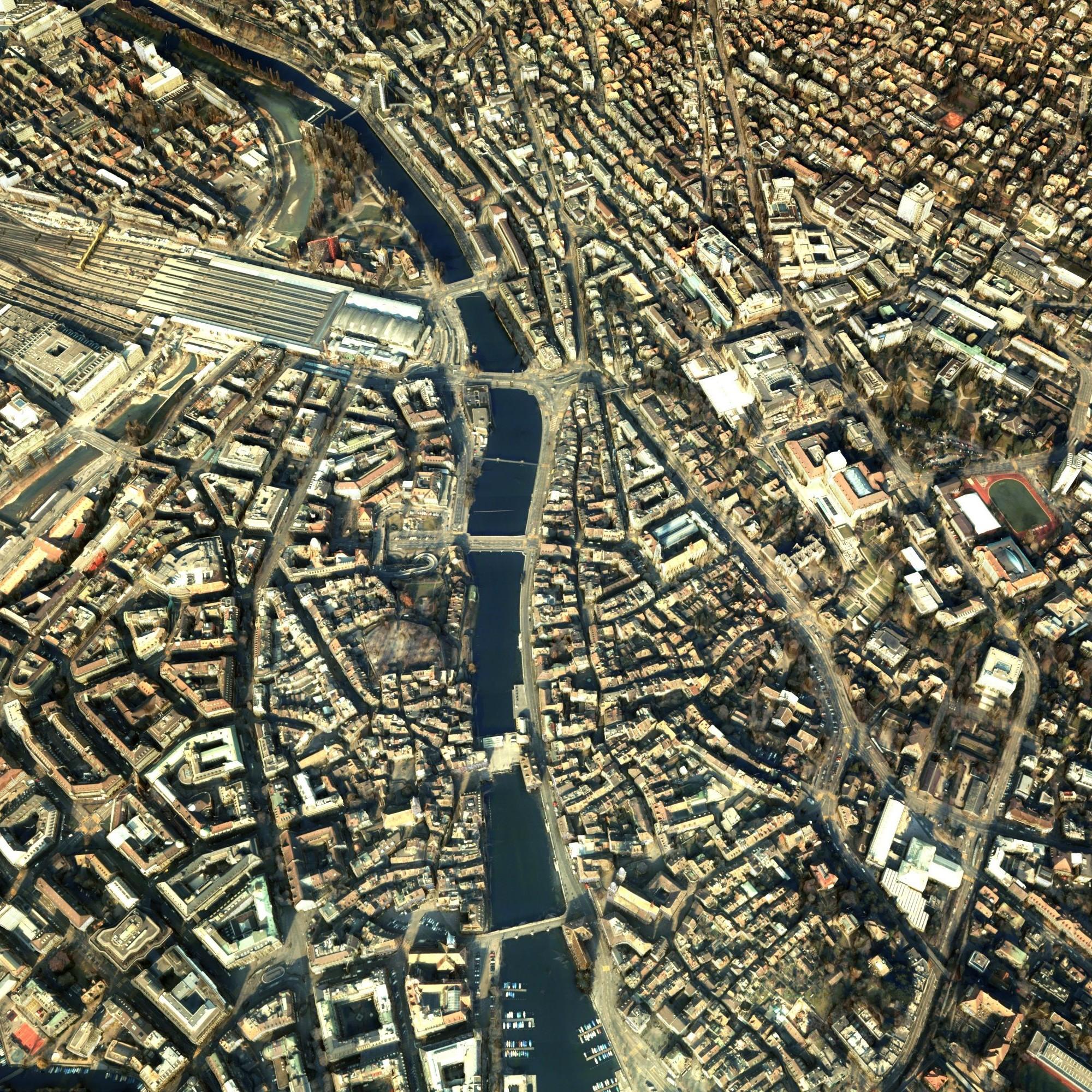 Zürich mit dem Hauptbahnhof (links oben) aus der Vogelperspektive. Dem 3-D-Modell liegen ausschliesslich Bilddaten zugrunde.