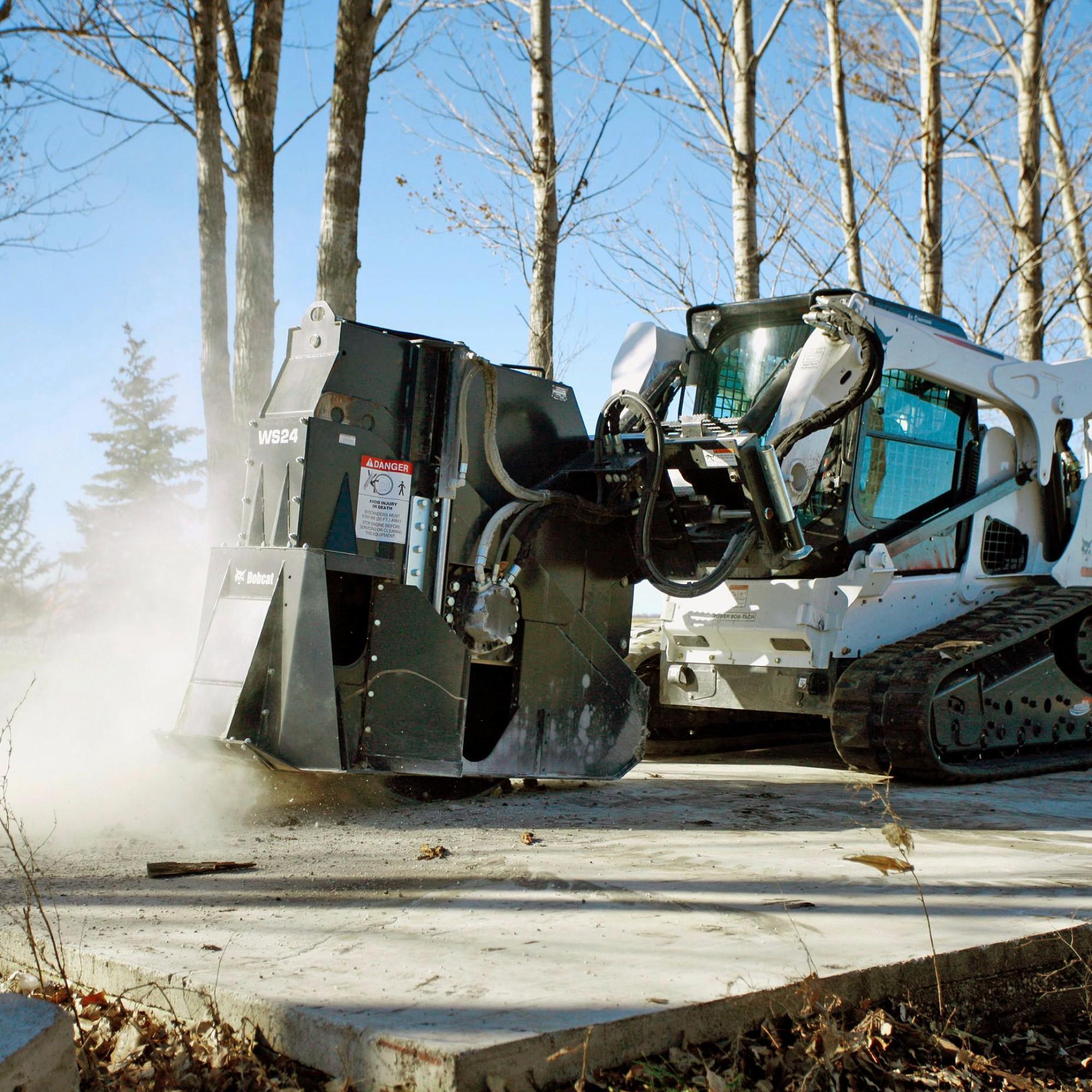 Die A. Leiser AG präsentiert an der Baumaschinen-Messe die neuesten Modelle von Bobcat und fliegt überdies extra den Fahrer Robby Bosch ein.