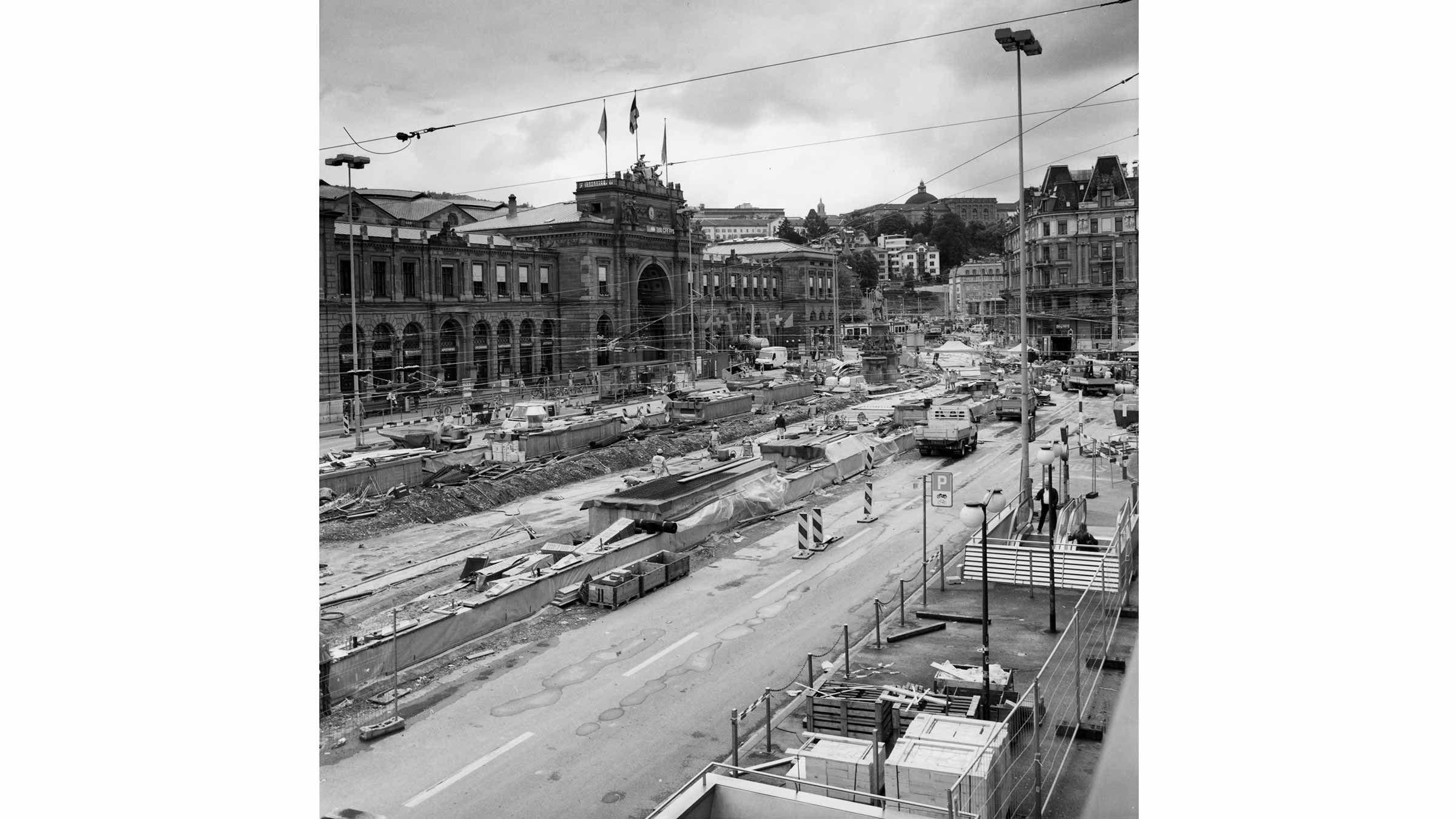 Bahnhofplatz 2004.