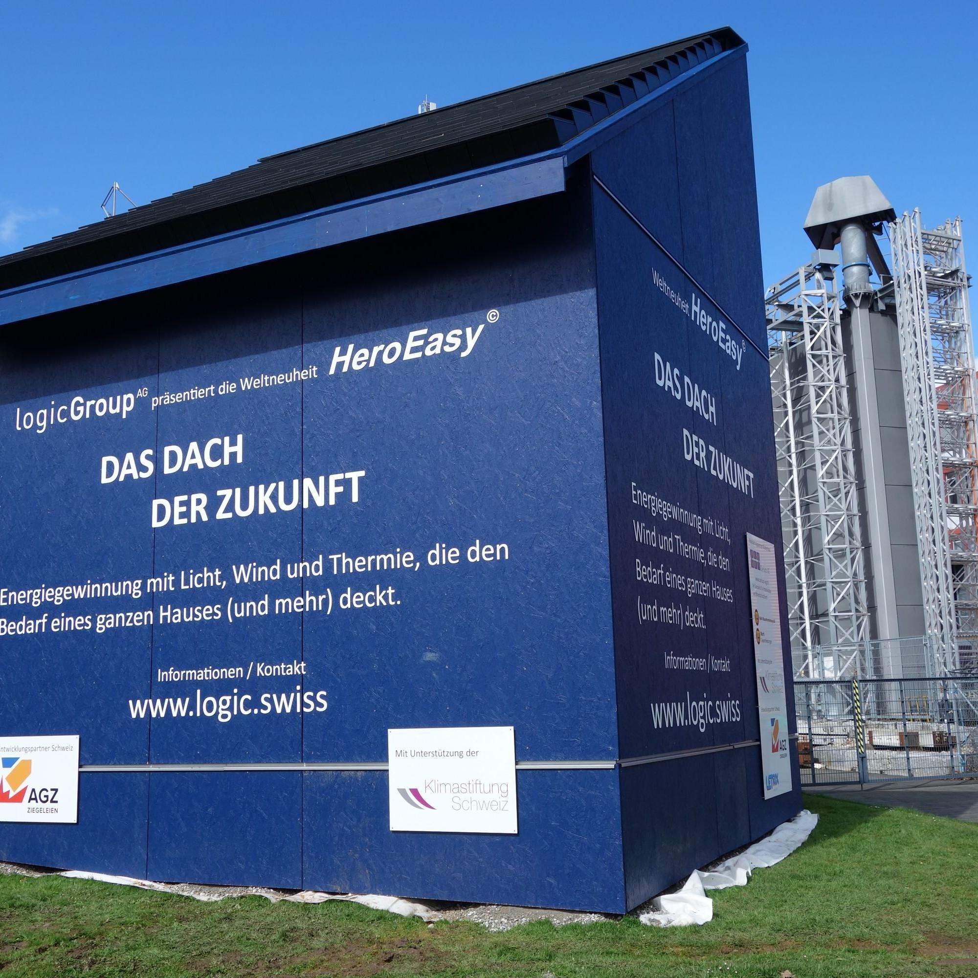 Auf dem Campus der Hochschule Luzern in Horw wurde ein Musterdach mit den neuen Ziegeln gedeckt, um das System zu testen.