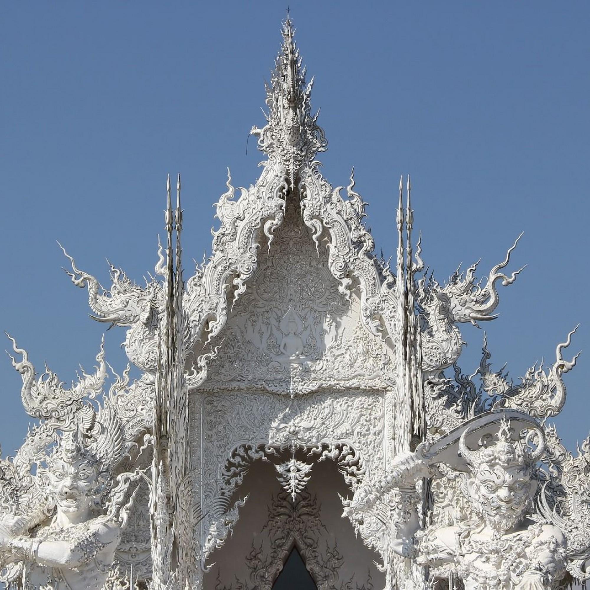 Das Dach von Wat Rong Khun.