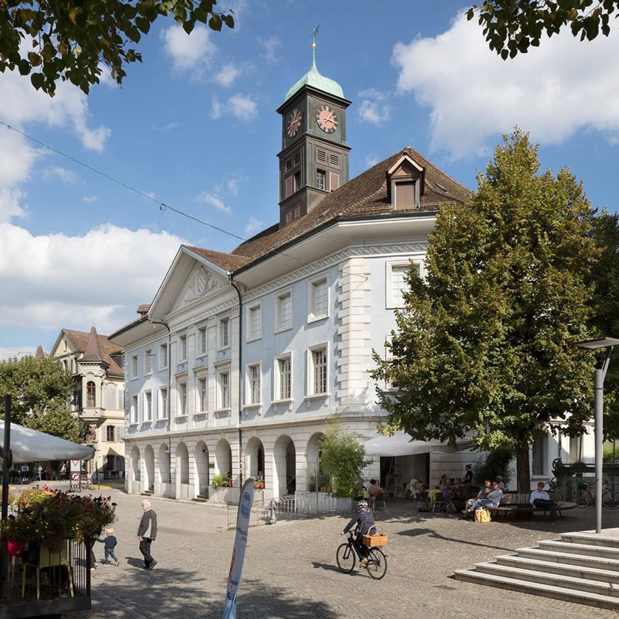 Der Bau des Kaufhauses leitete am Ende des 18. Jahrhunderts in Langenthal den Wandel vom Dorf zum Städtchen ein.