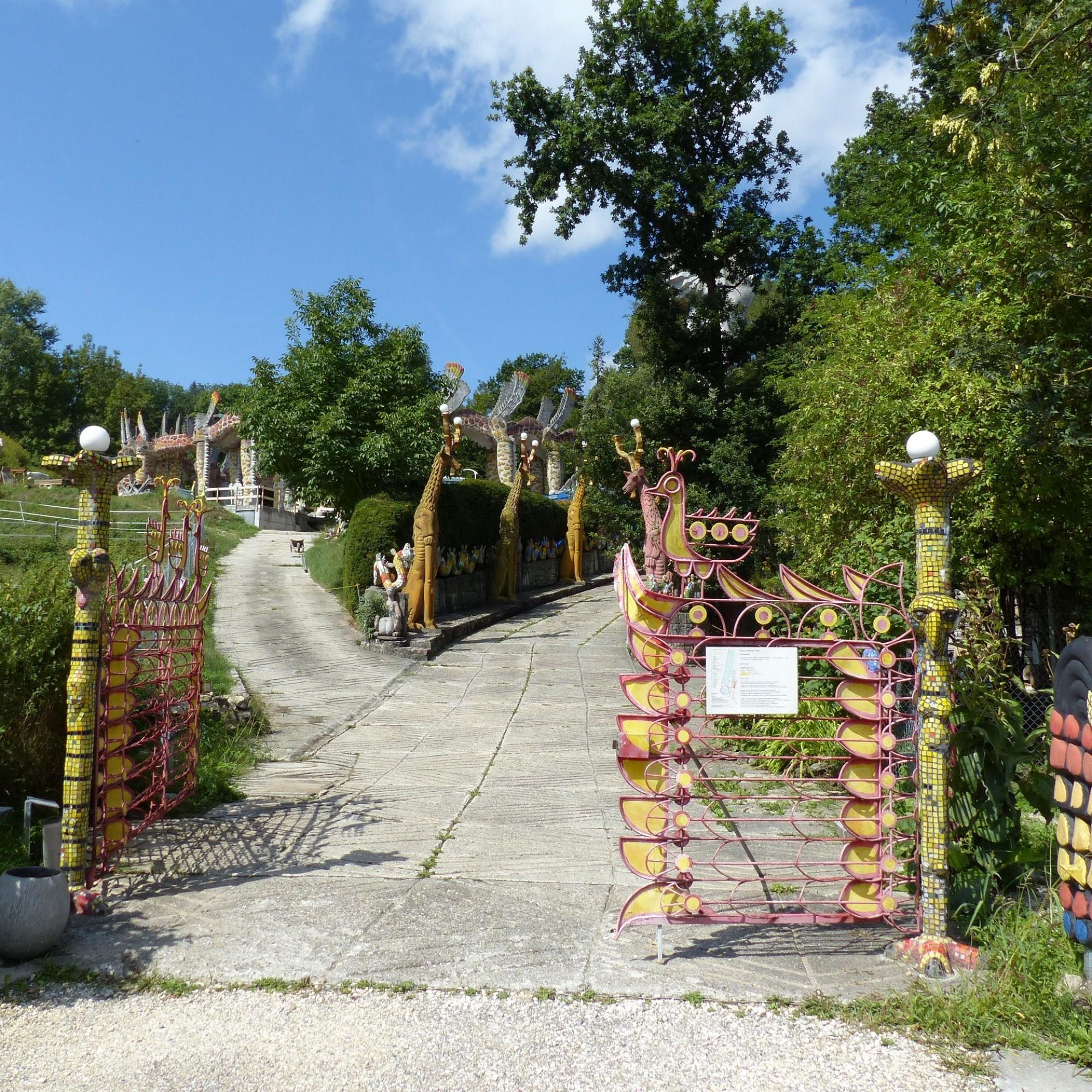 Eingangstor des Bruno-Weber-Parks.